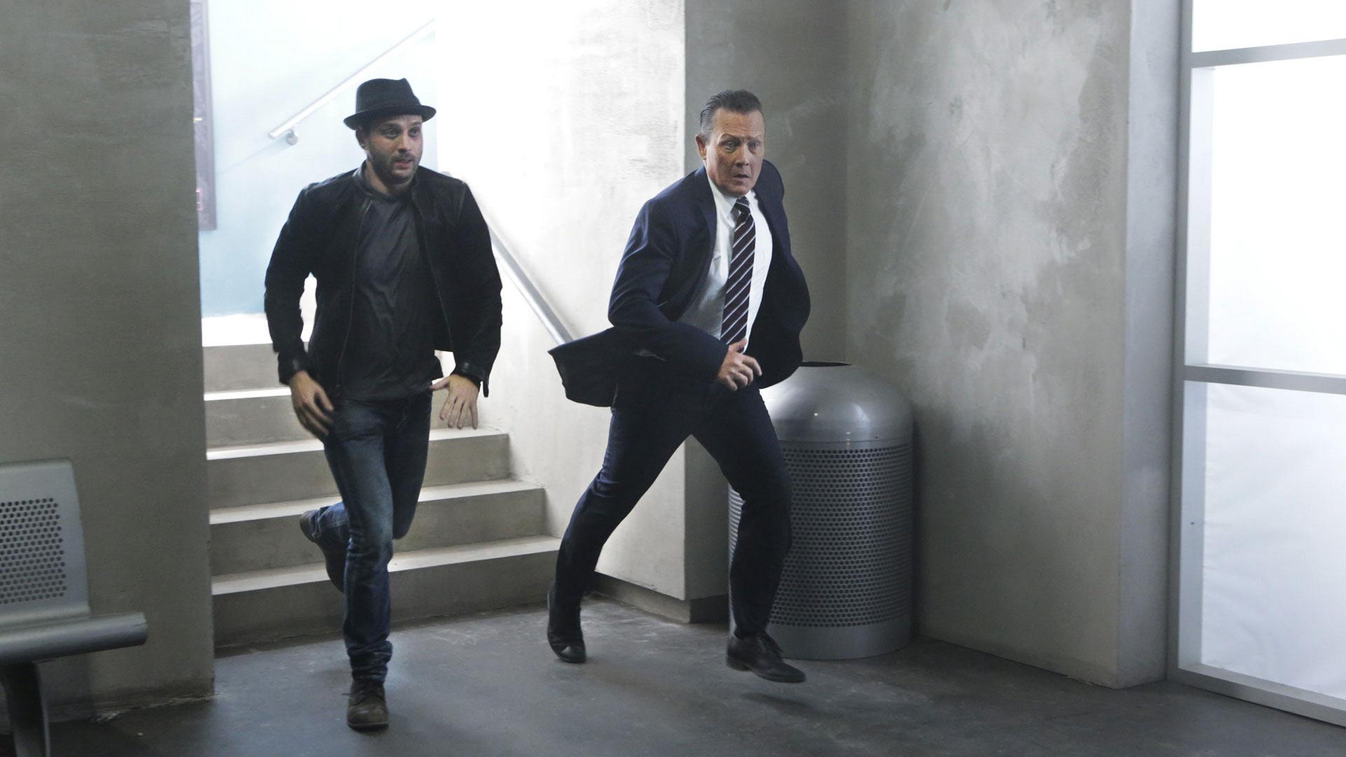 Eddie Kaye Thomas as Toby Curtis and Robert Patrick as Agent Cabe Gallo