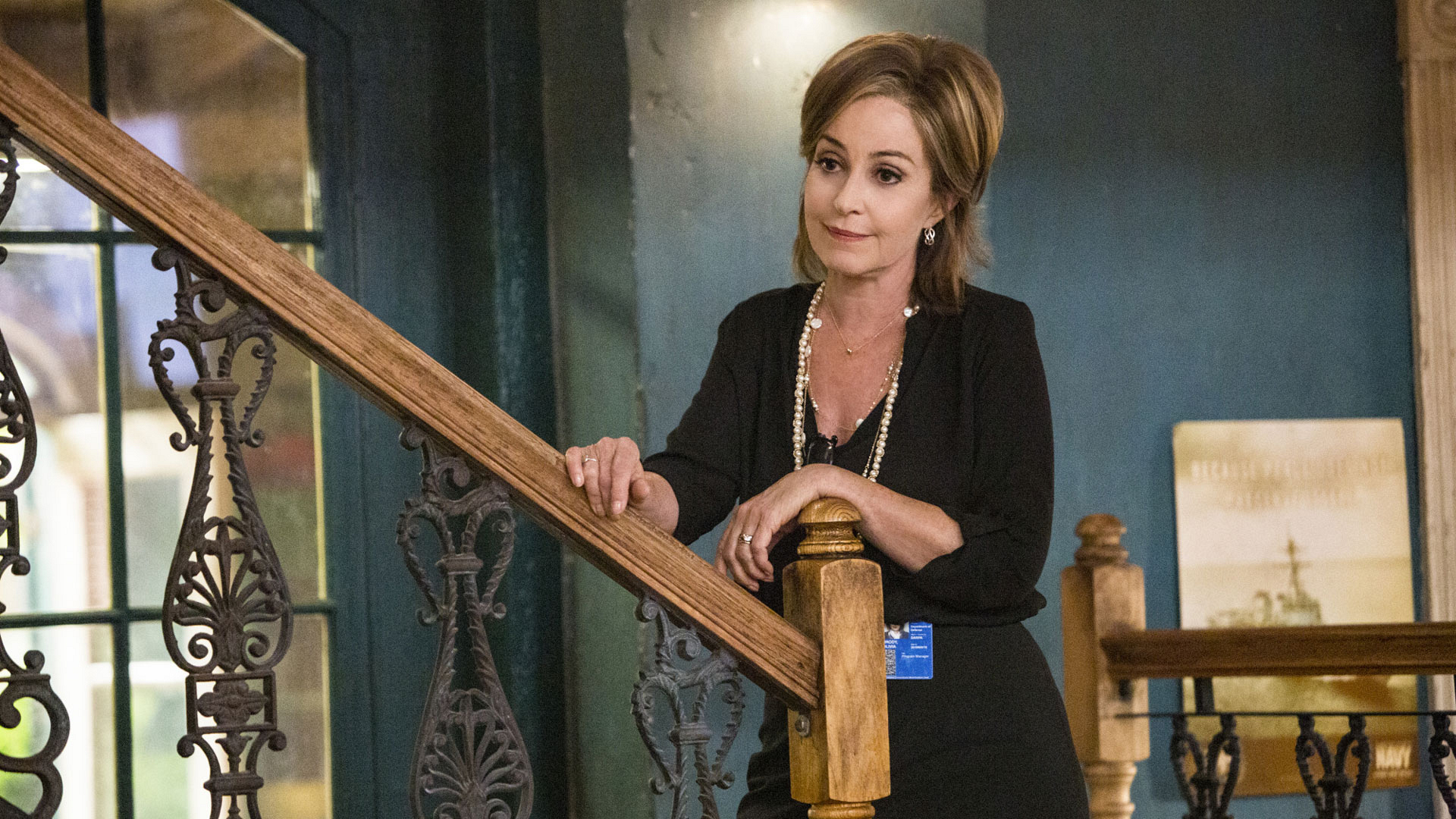 Annie Potts as Olivia Brody