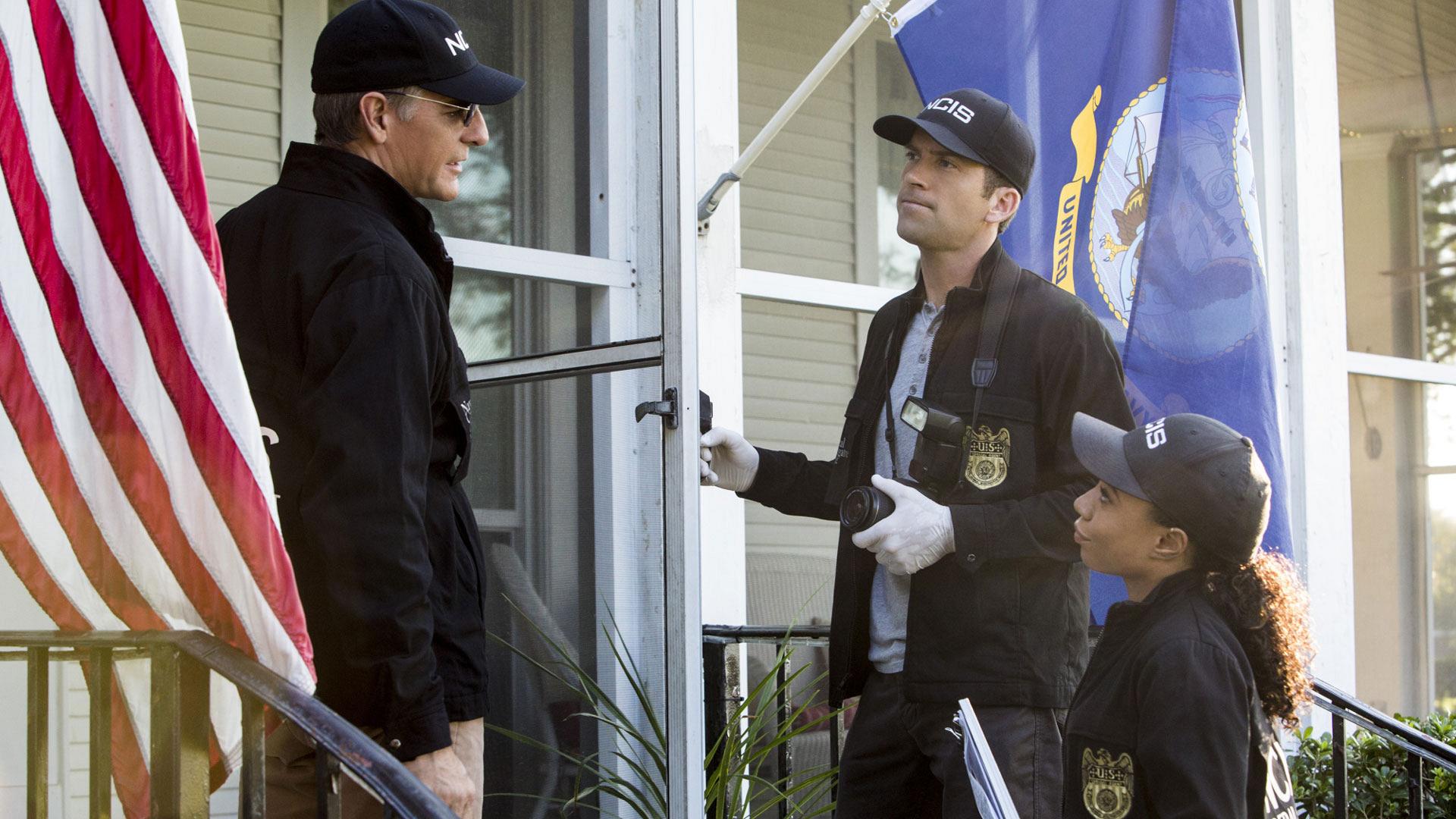 Scott Bakula as Dwayne Pride, Lucas Black as Christopher LaSalle, and Shalita Grant as Sonja Percy