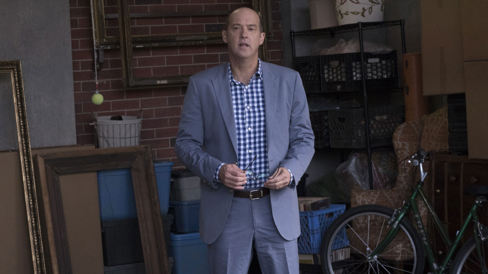 Anthony Edwards as Owen Cairo