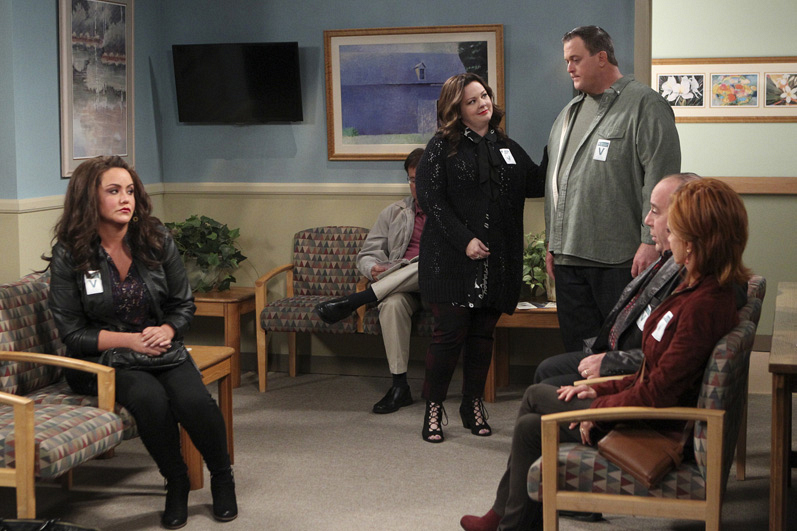 The whole clan goes to the hospital to support Peg after her heart attack.