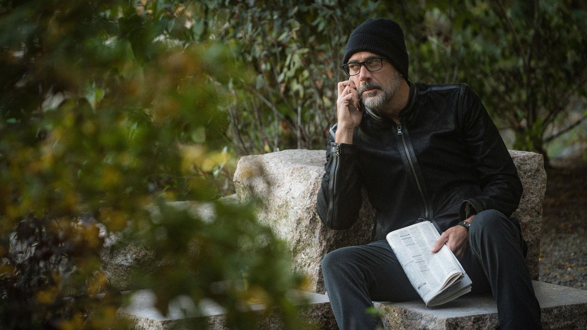 Jeffrey Dean Morgan as Jason Crouse