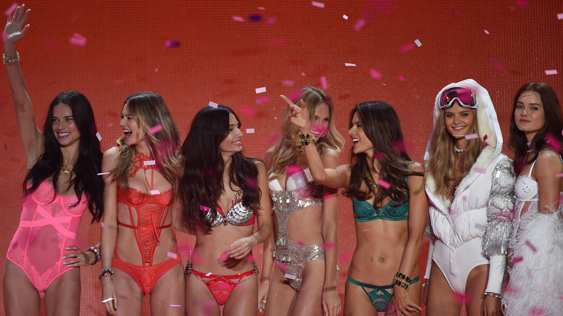 The 2015 Victoria's Secret Fashion Show was pure heaven on Earth