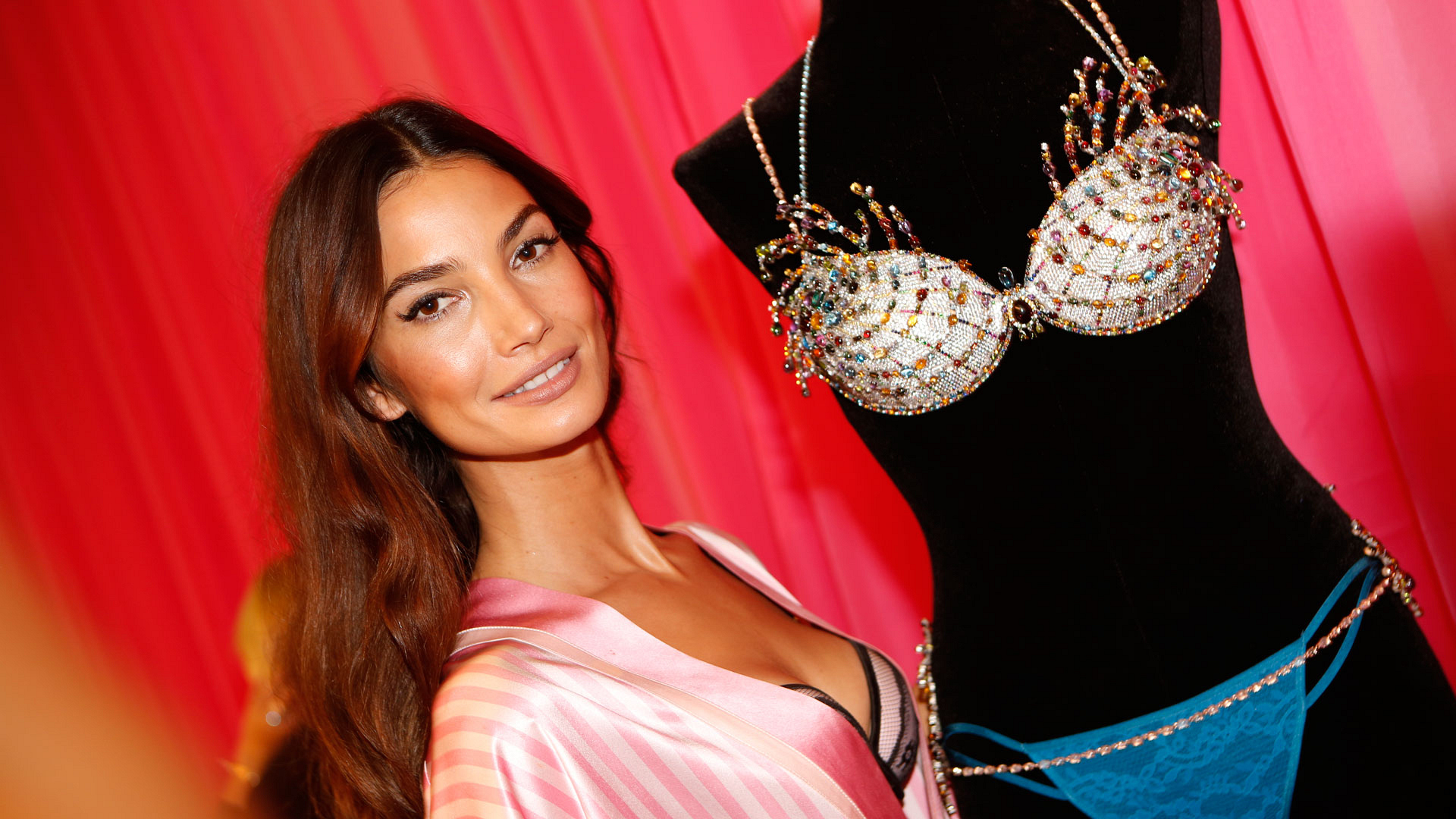 Lily Aldridge glams it up with this year's Fantasy Bra