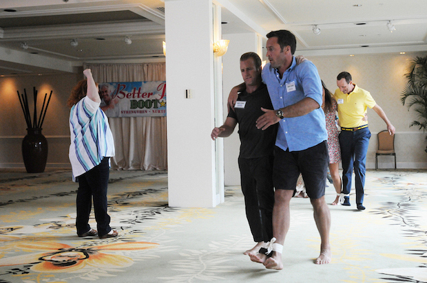 Danny and McGarrett even participate in bond-building exercises required by the therapist, and run around the room with their legs tied together.