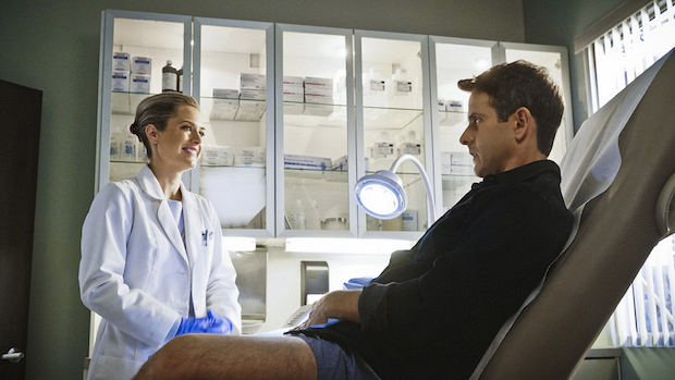 Joey McIntyre sees Dr. Allison for a check up.