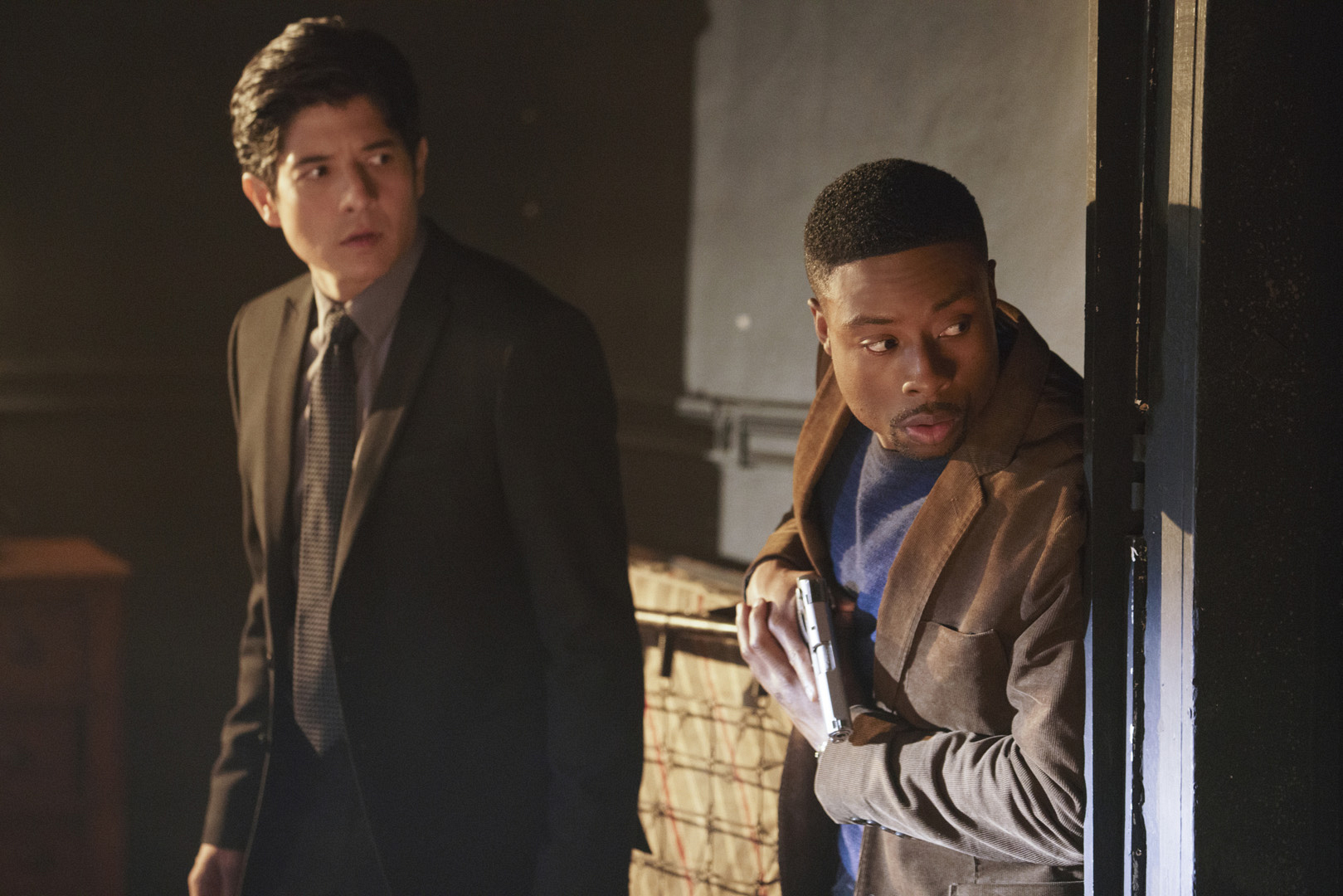 Carter and Lee go undercover as administrators.