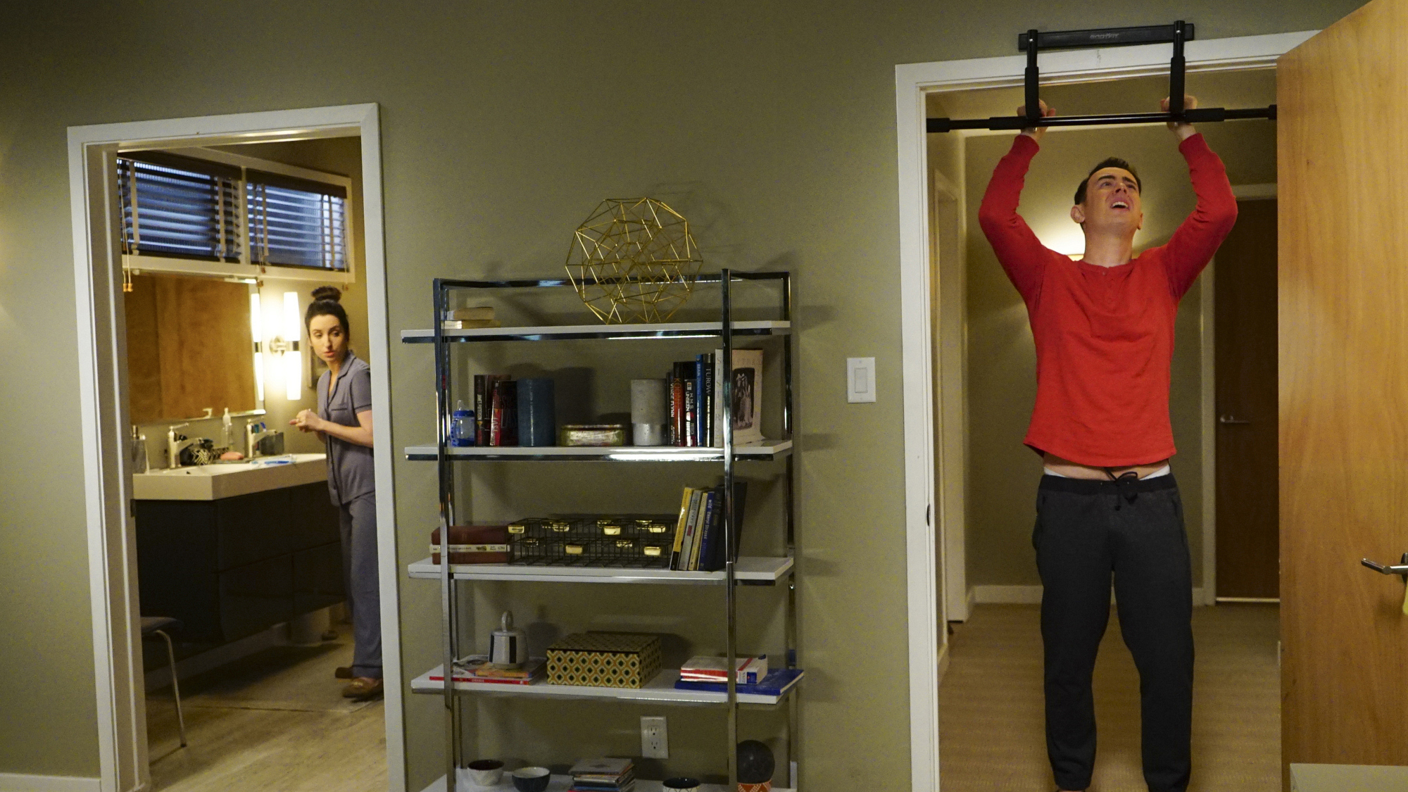 Greg tries to install a doorframe pull-up bar.