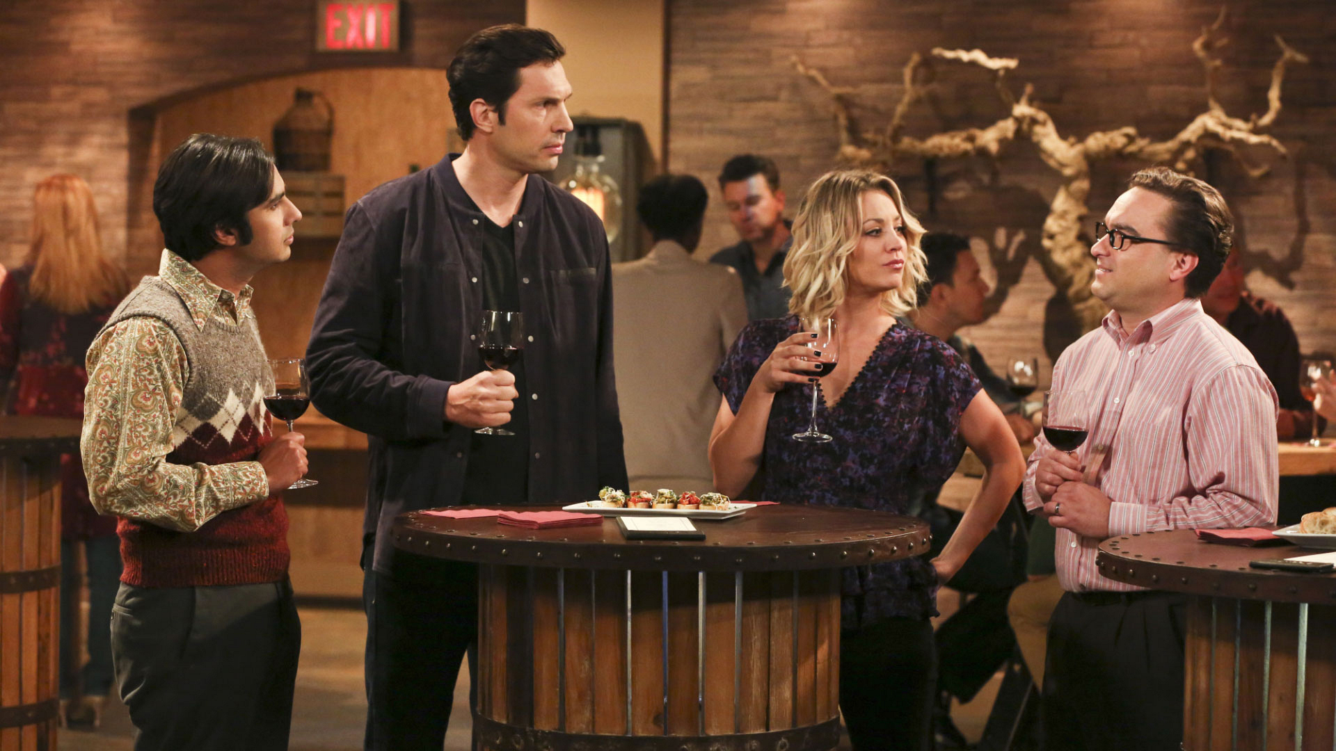 Penny runs into her ex-boyfriend Zack at the wine-tasting event.