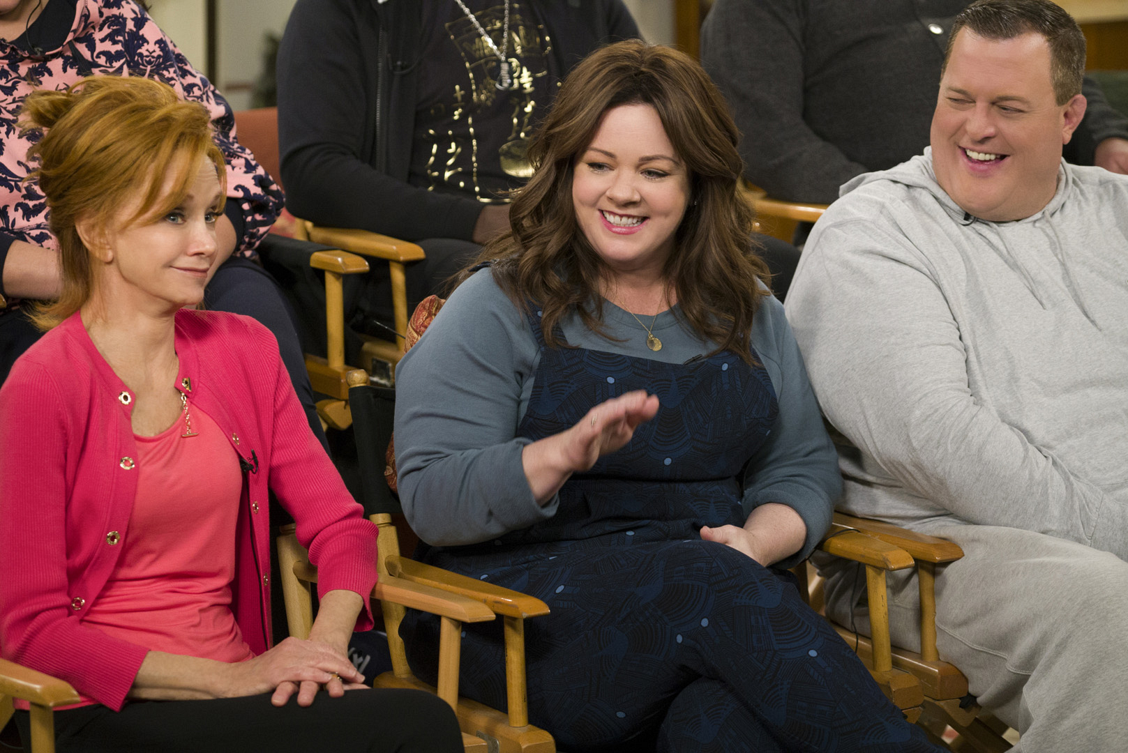It's an emotional day on set when the cast films the final episode of Mike & Molly.