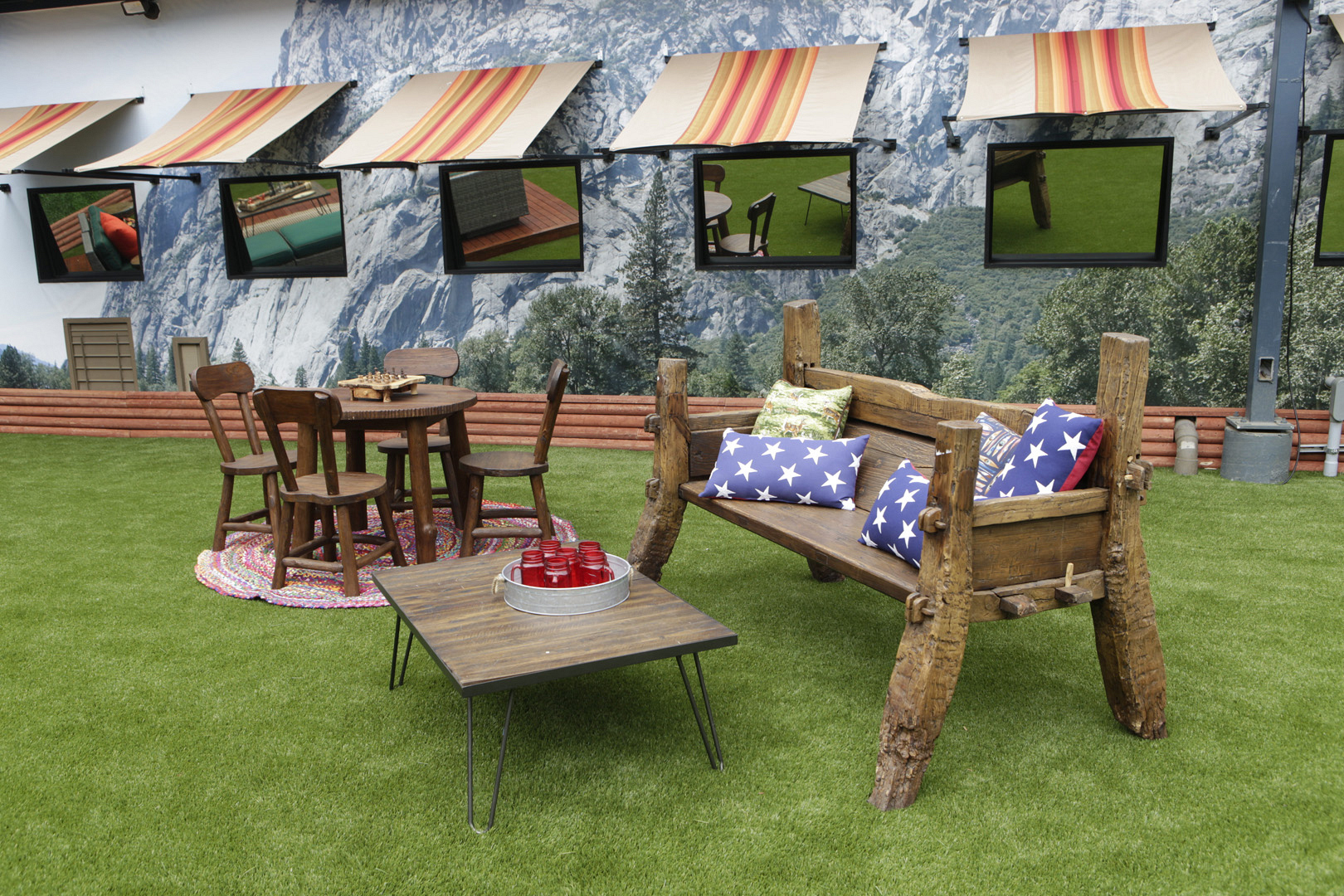 The Big Brother backyard boasts patriotic patterns and lots of picnic knick-knacks!