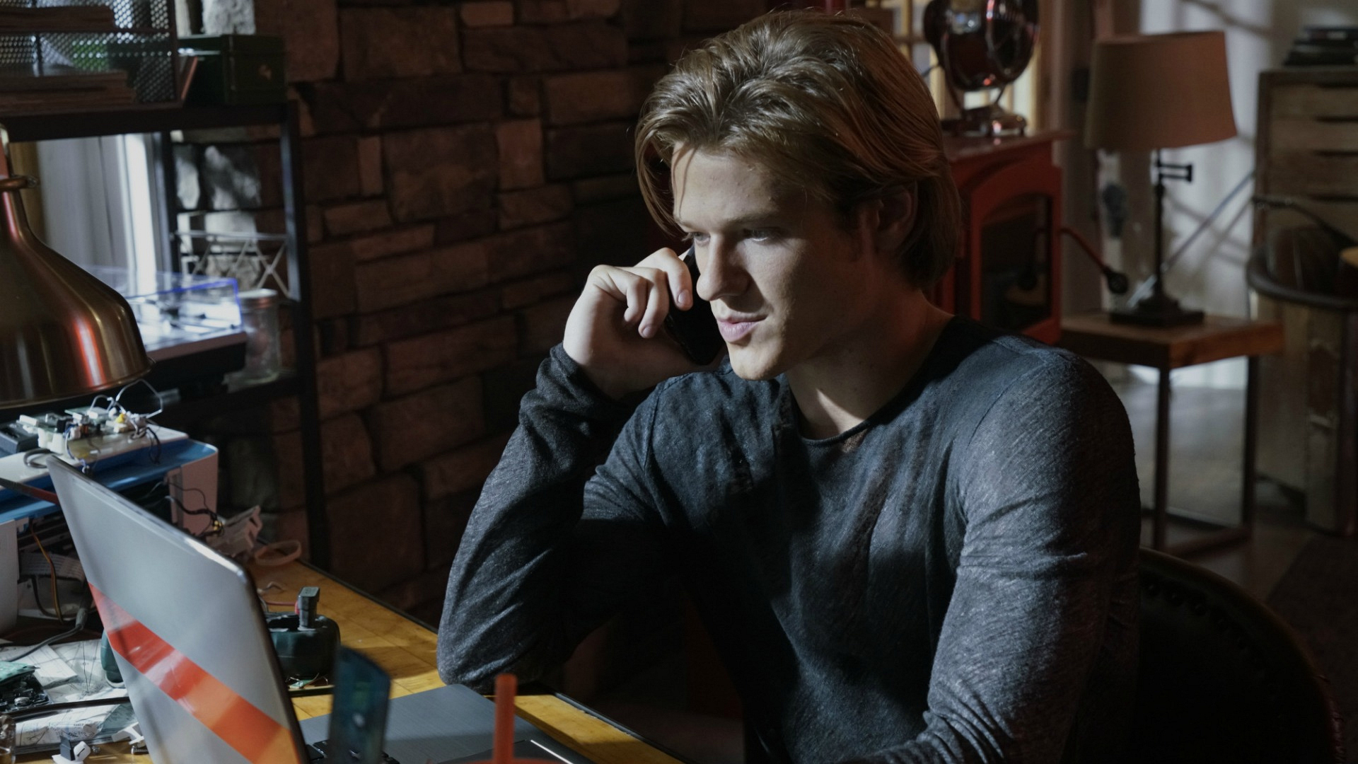 MacGyver looks into something troubling online.