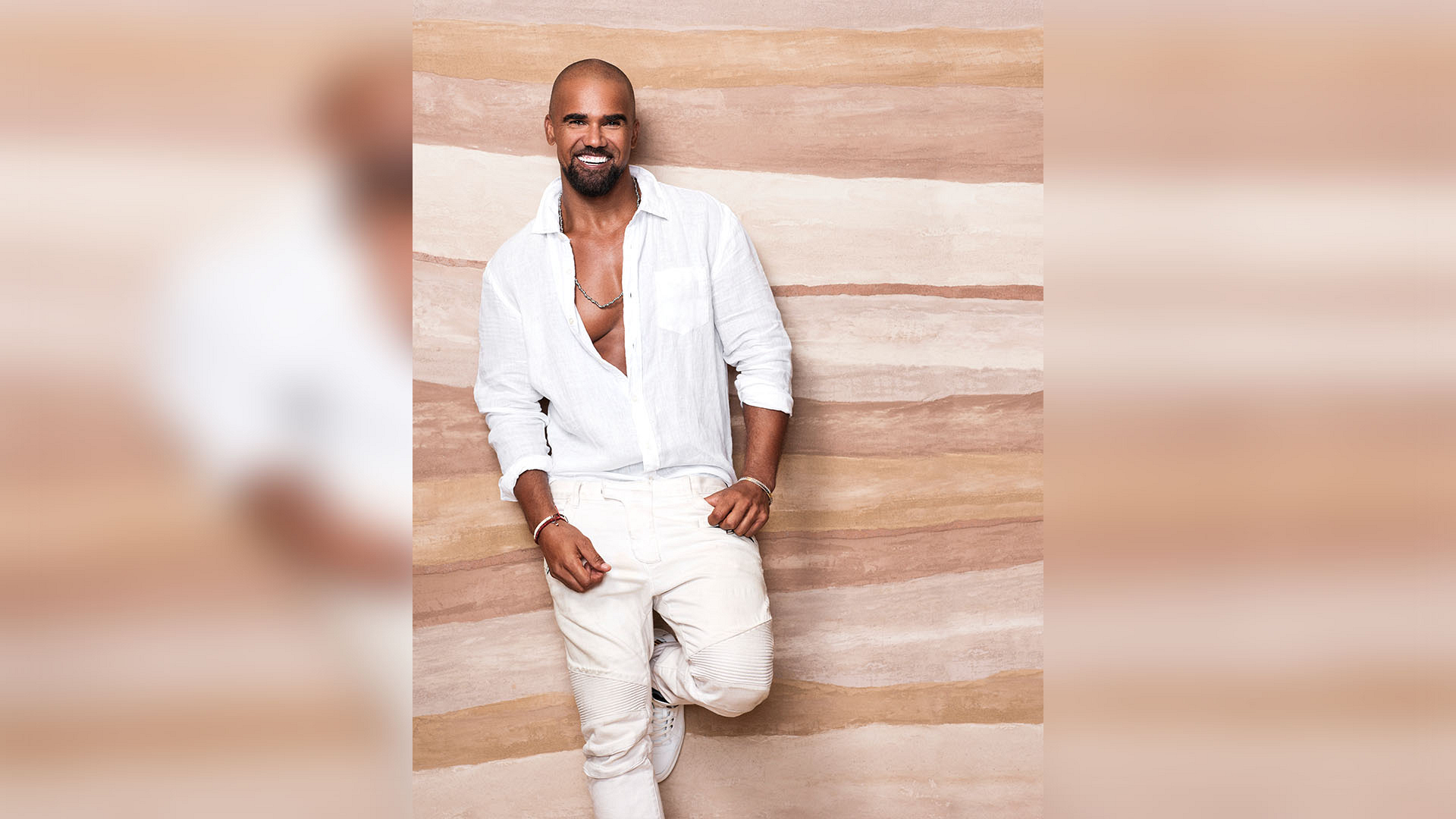See these hot new Shemar Moore pics before anyone else