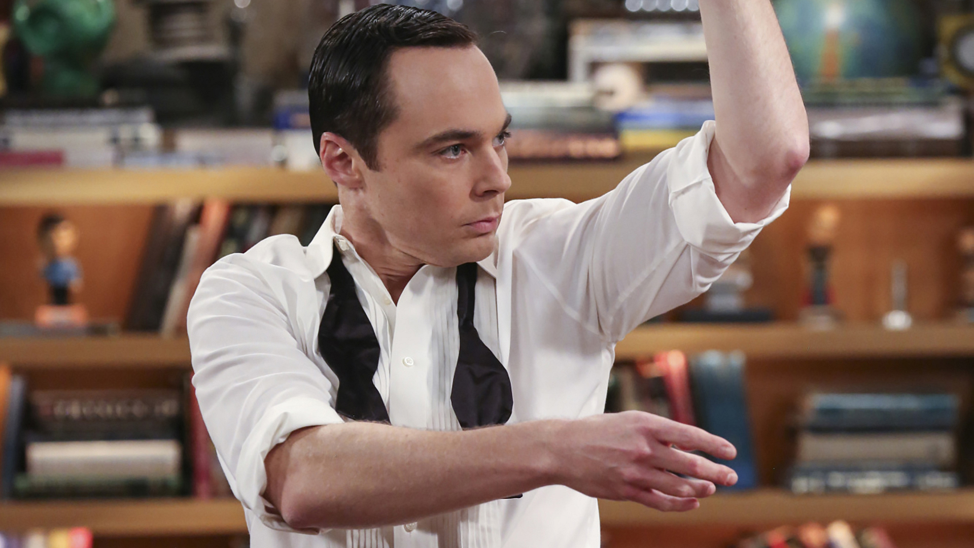 Sheldon attempts to woo his lady with a flamenco dance.