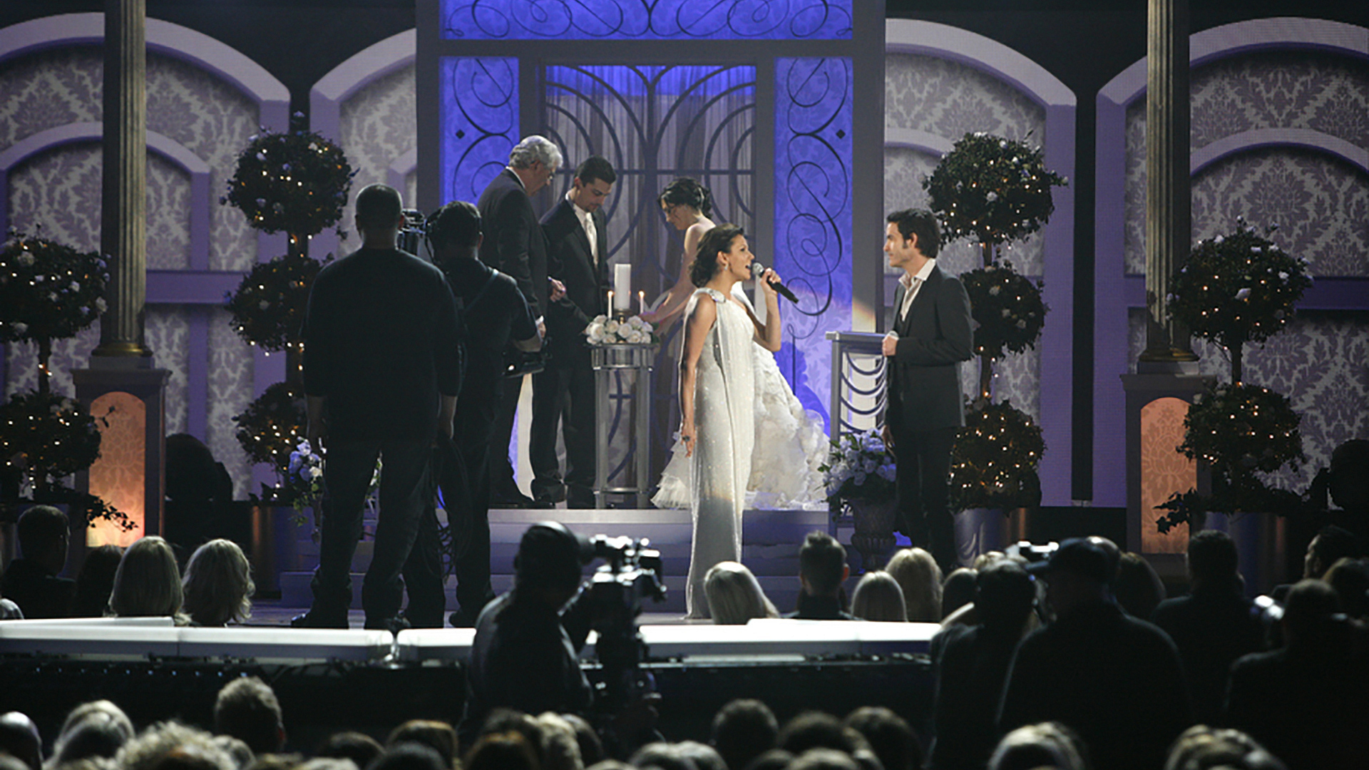 "17. Martina McBride and Train singer Pat Monahan perform ""Marry Me"" at the 47th ACM Awards in 2012."