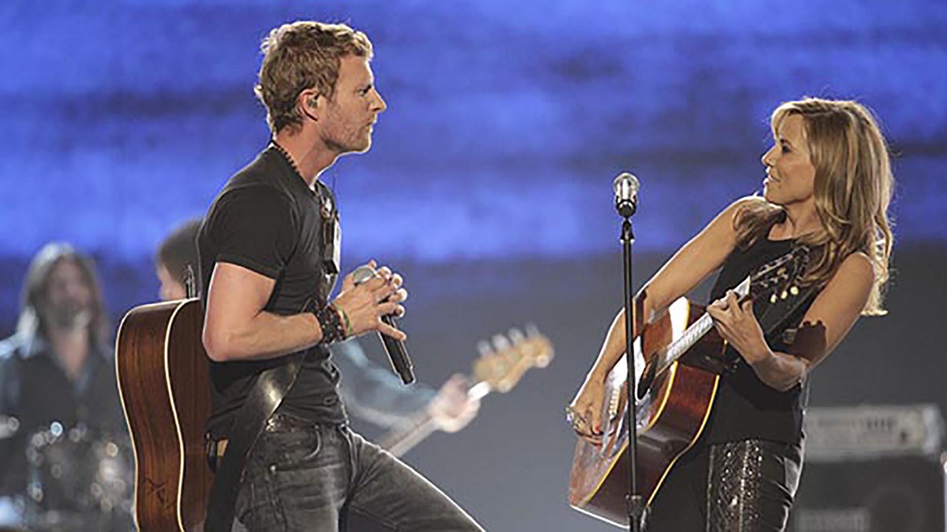 "32. Dierks Bentley and Sheryl Crow perform ""I Hold On"" at the 49th ACM Awards in 2014."