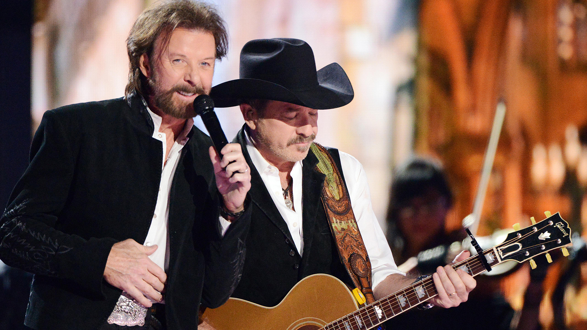 """18. Brooks & Dunn perform """"My Maria"""" at the 50th ACM Awards in 2015."""
