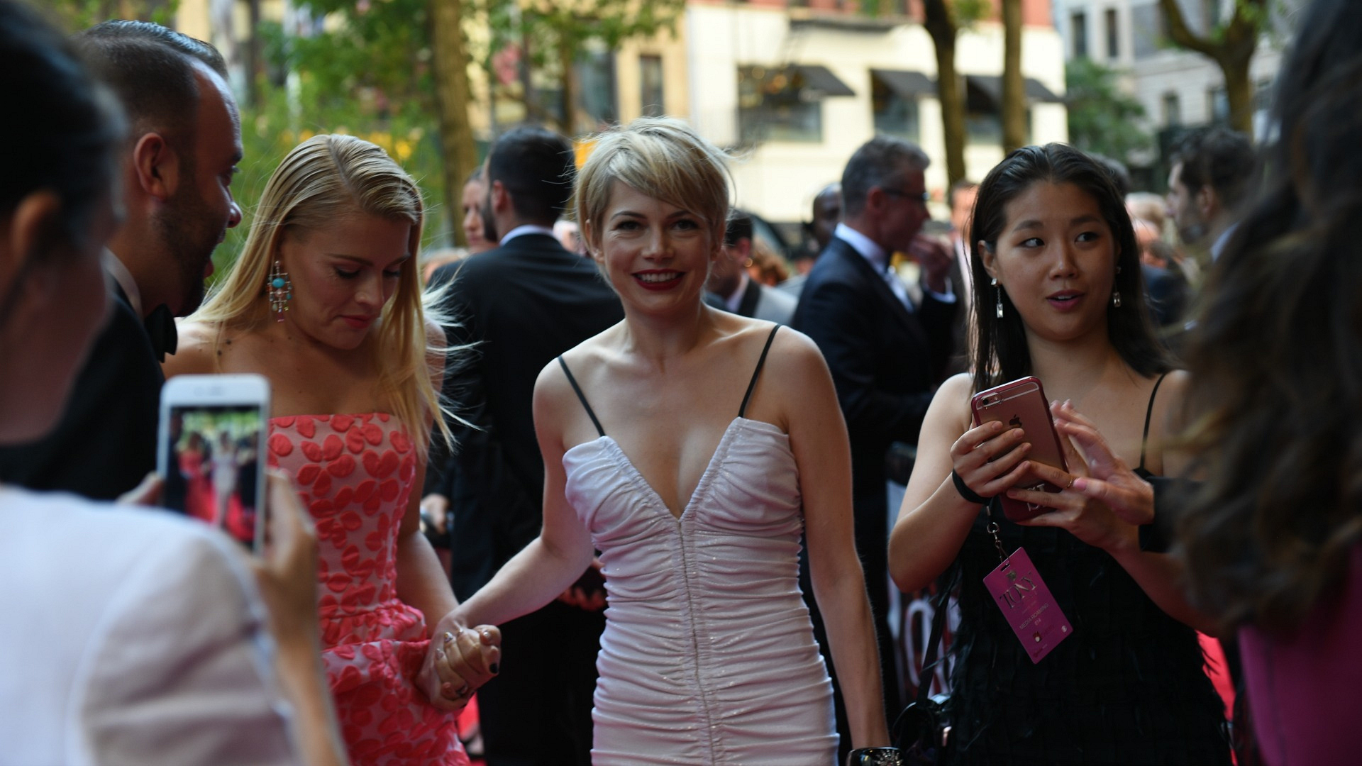 2016 Tony Awards: Busy Philipps and Michelle Williams