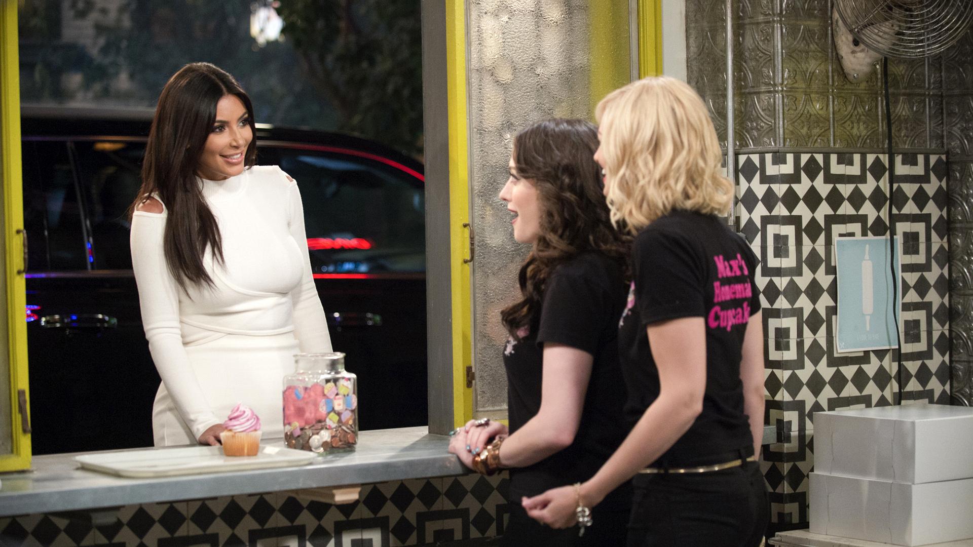 Kim Kardashian West - 2 Broke Girls