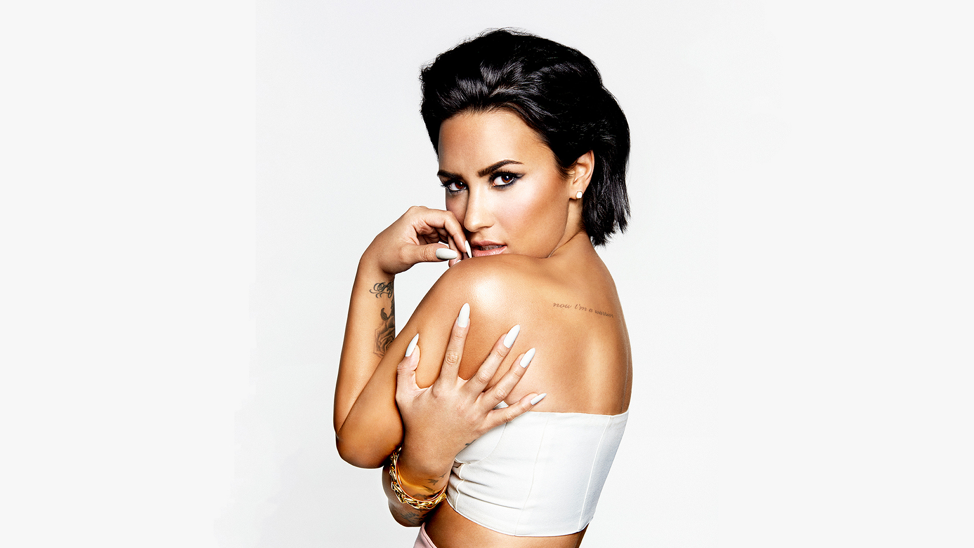 "Demi Lovato proves there's nothing wrong with being ""Confident."""