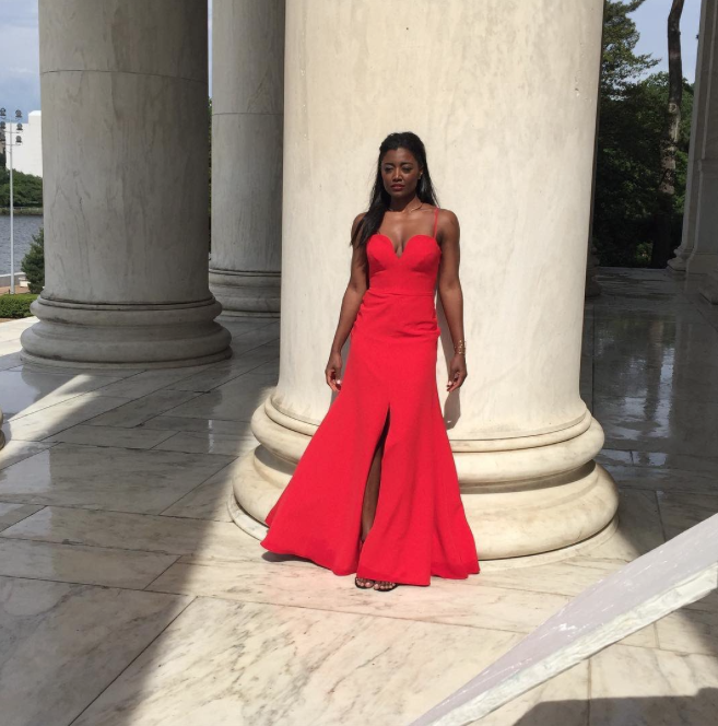 Madam Secretary's Patina Miller is red hot at the Lincoln Memorial.