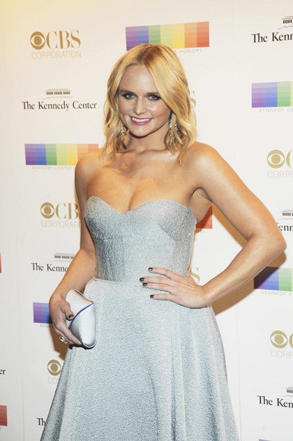 Singer Miranda Lambert is simply sparkling in her beautiful gown.