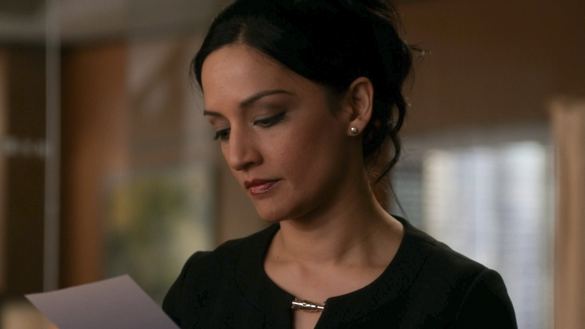 "Kalinda in ""A Material World"" S5E17"