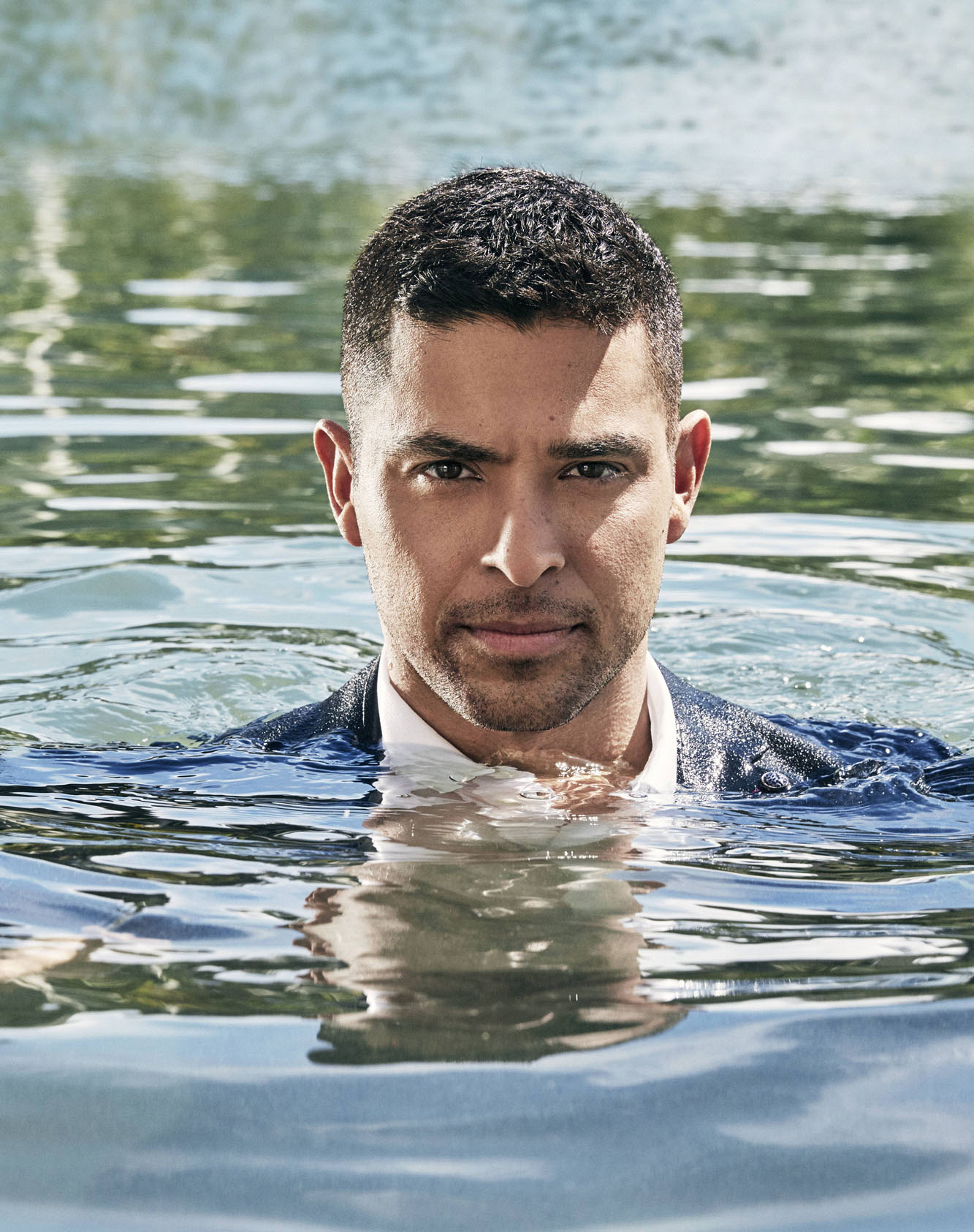 Wilmer Valderrama keeps his cool in Hawaii