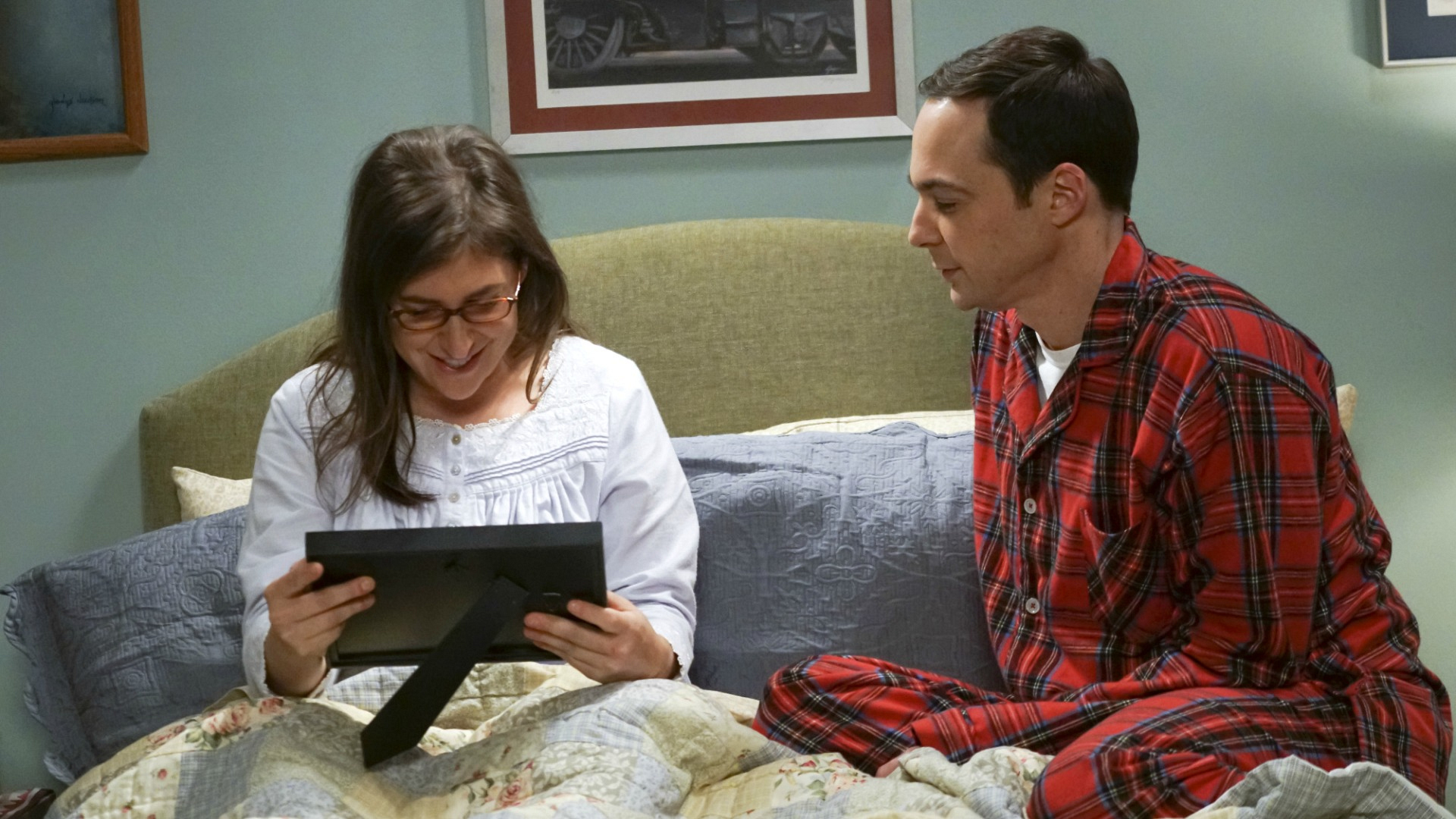 Sheldon gives Amy a heartfelt gift.