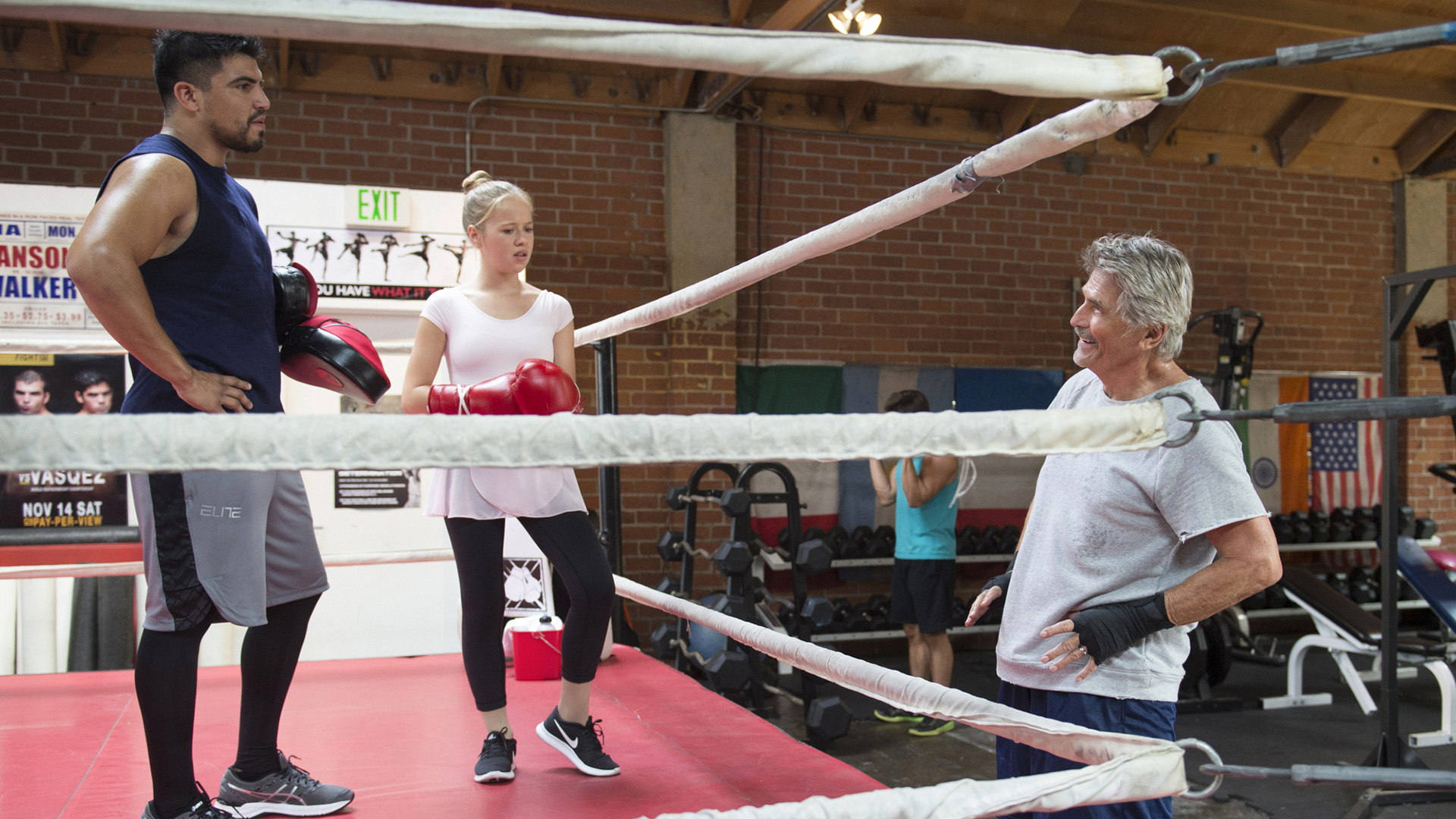 Troy (Victor Ortiz) agrees to give Samantha some pointers.