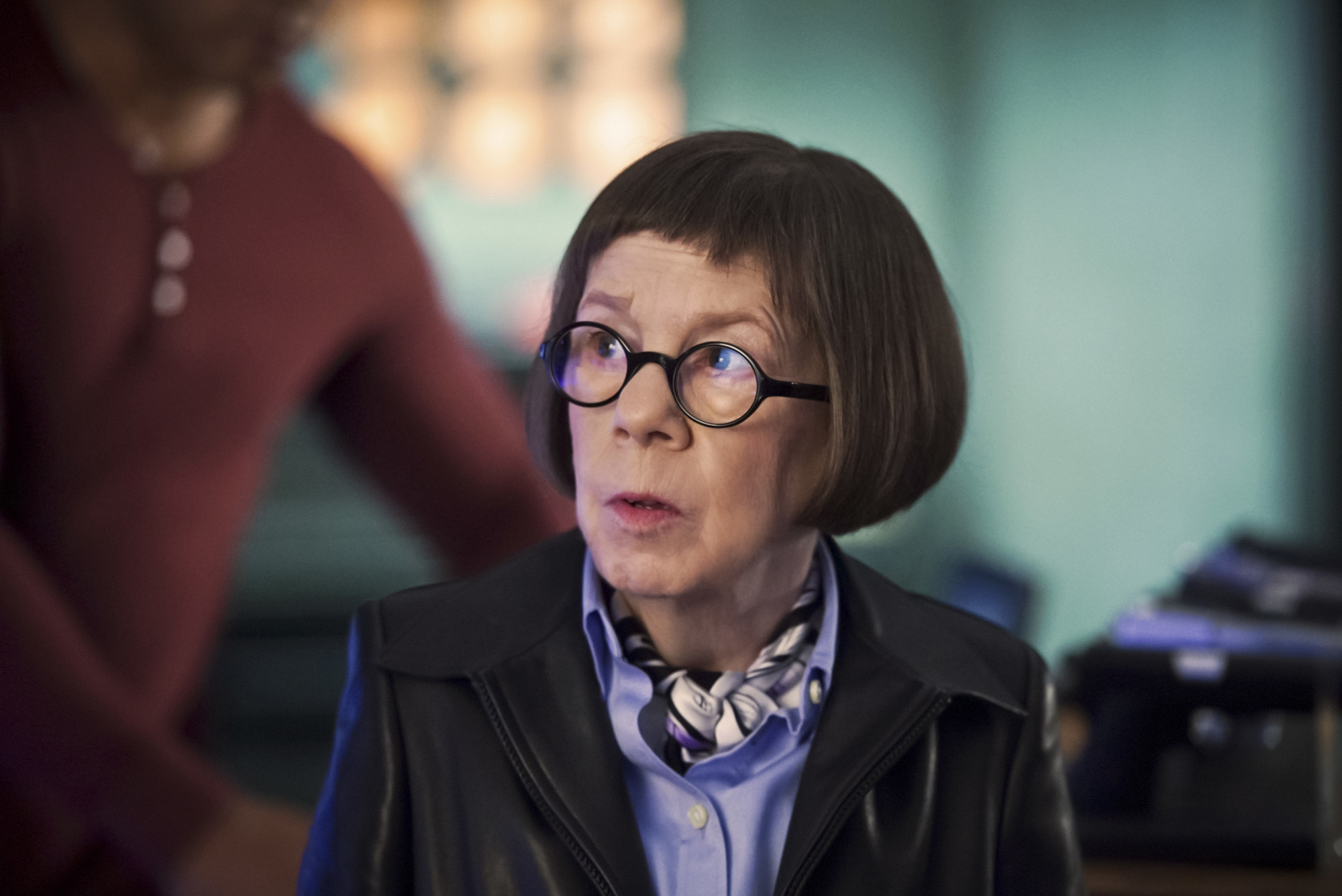 "Linda Hunt as Henrietta ""Hetty"" Lange"