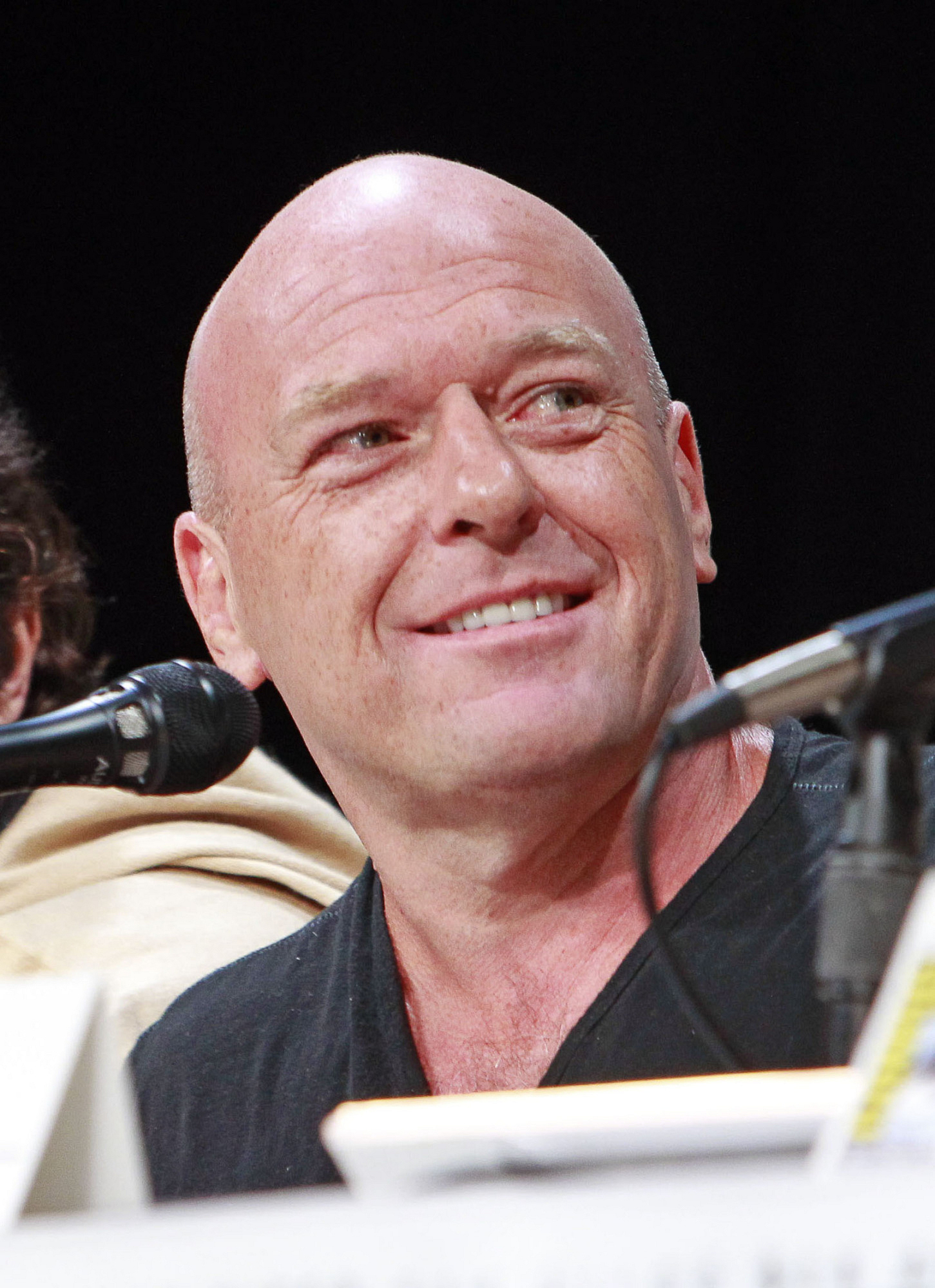 5. Dean Norris graduated from Harvard University.