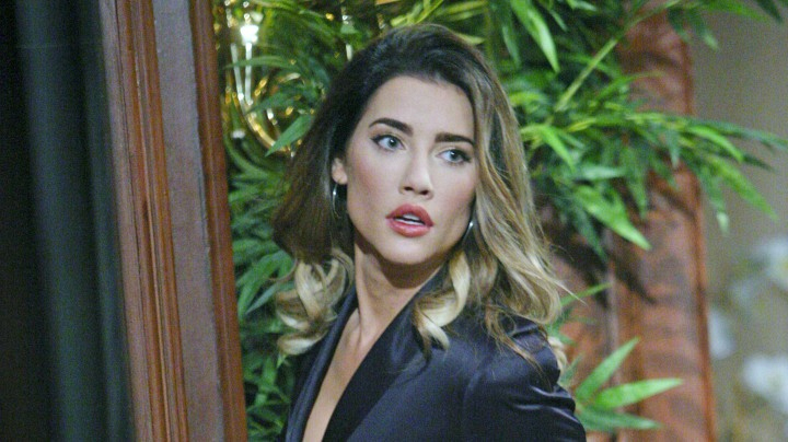 Steffy overhears some juicy gossip.