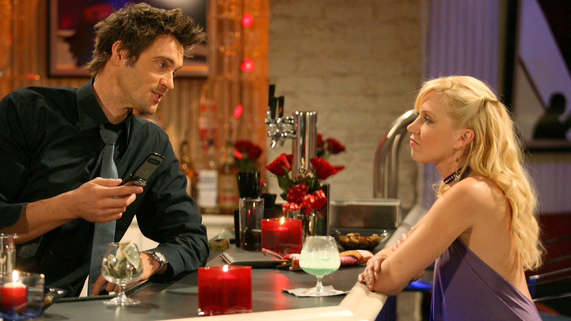 Bad girl Amber Moore (Adrienne Frantz) stirred up trouble in both Los Angeles and Genoa City.