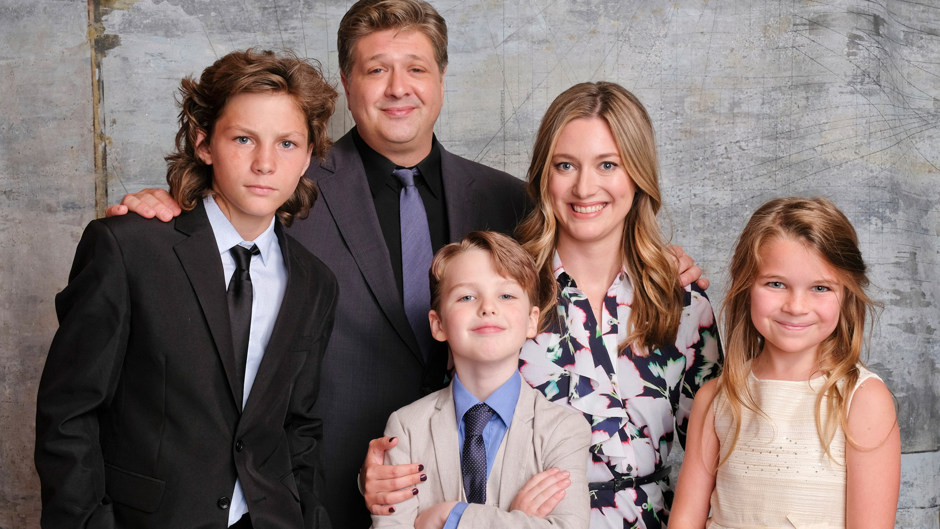 Montana Jordan, Lance Barber, Iain Armitage, Zoe Perry, and Raegan Revord of Young Sheldon