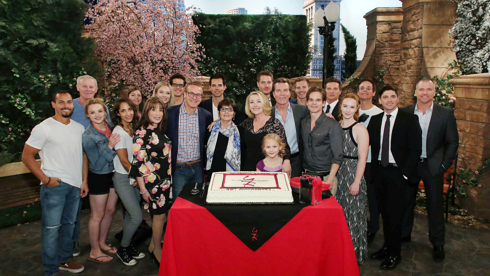 Flash-forward to 2016: The cast honors 43 incredible years!