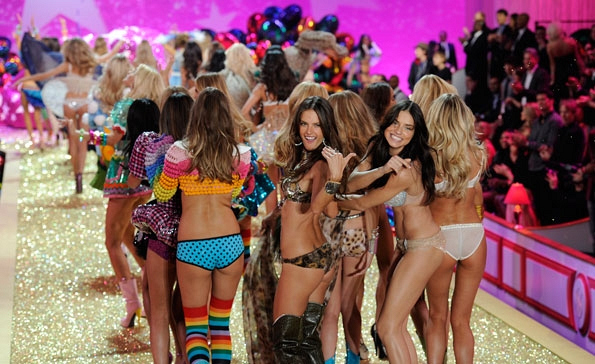 The End of The 2010 Fashion Show