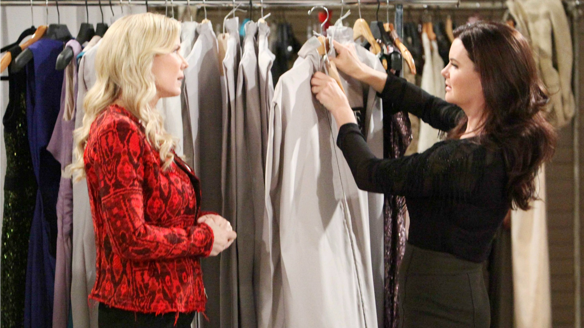 Katie and Brooke talk about their upcoming trip to Australia and Brooke and Ridge's elopement while Brooke tries on her wedding dress.