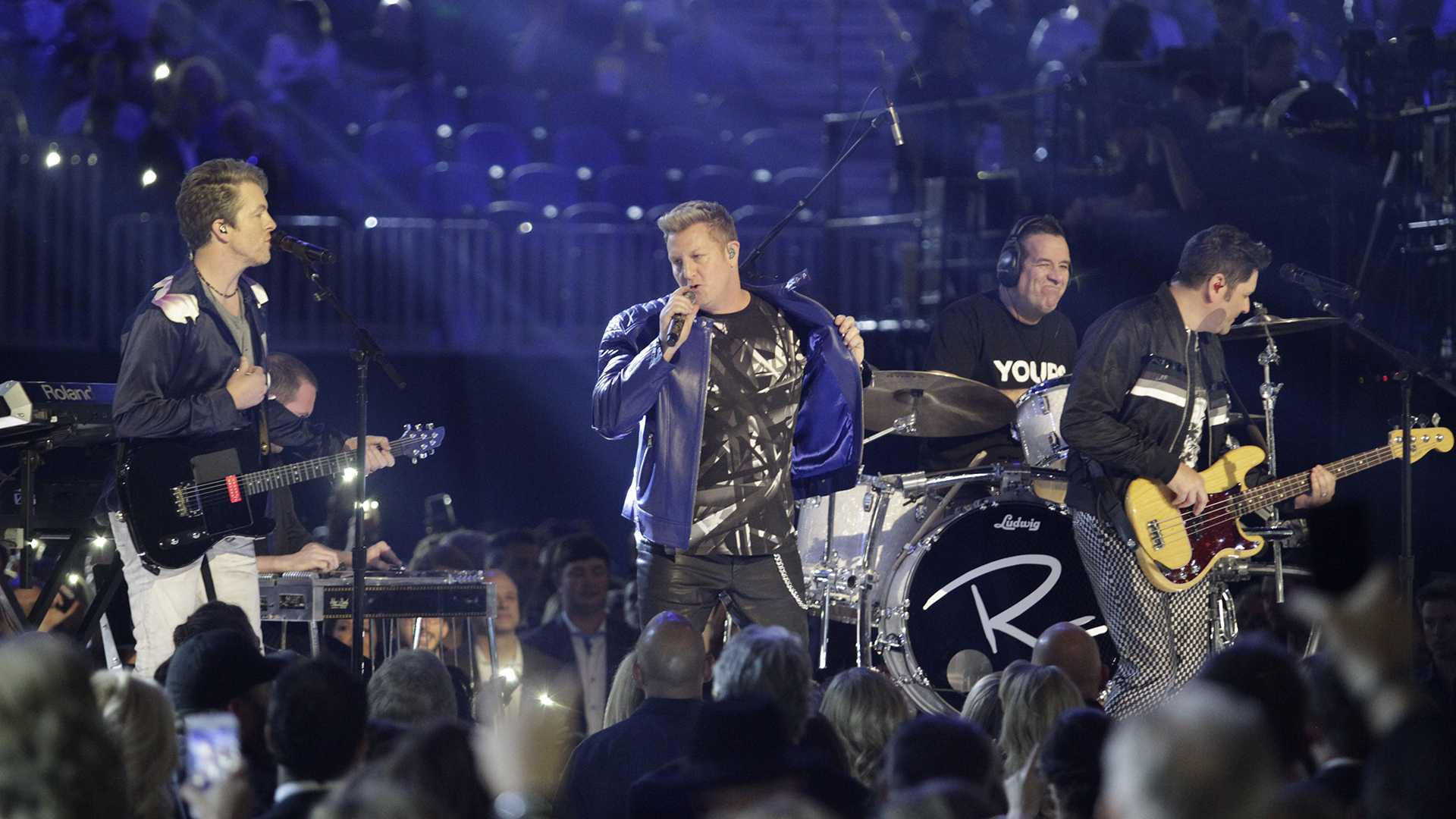 "Rascal Flatts performs ""Yours If You Want It"" at the 52nd ACM Awards"