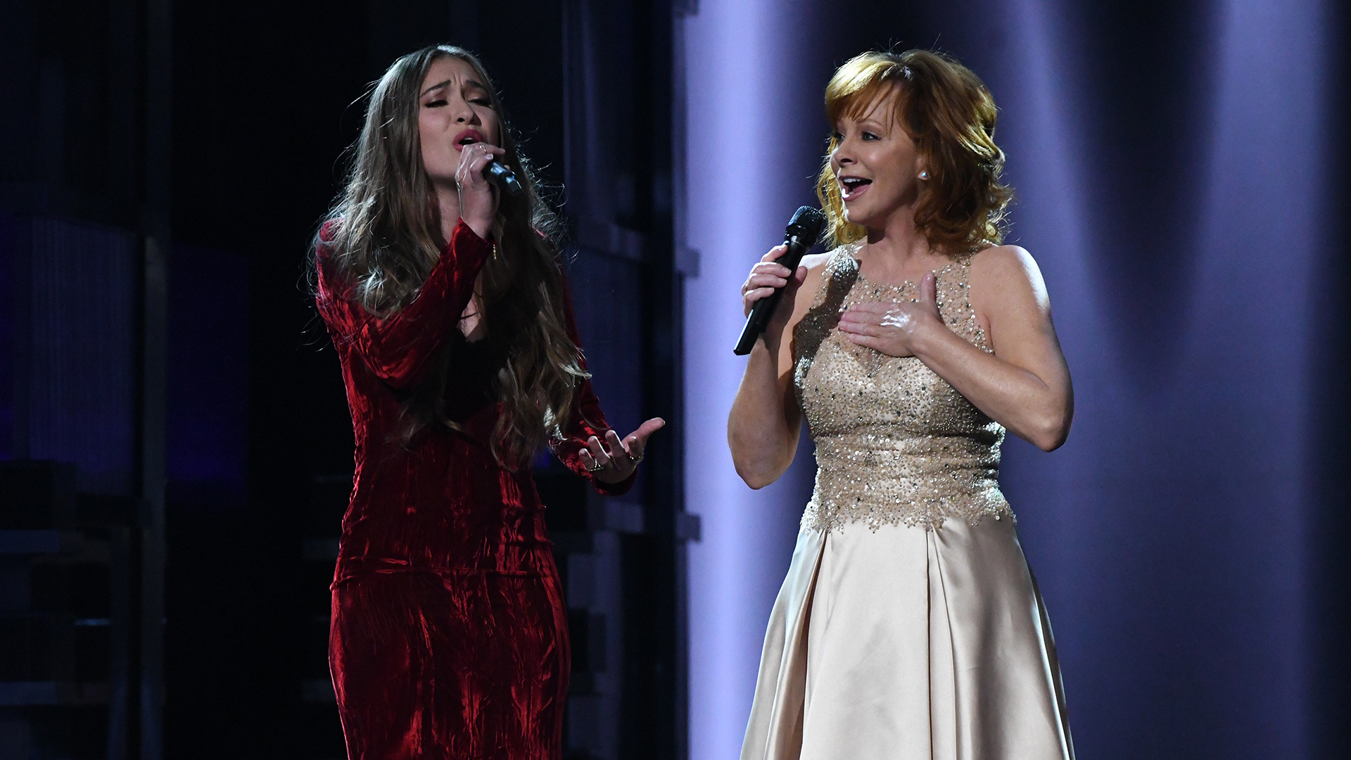 "Reba McEntire and Lauren Daigle perform ""Back To God"" at the 52nd ACM Awards"