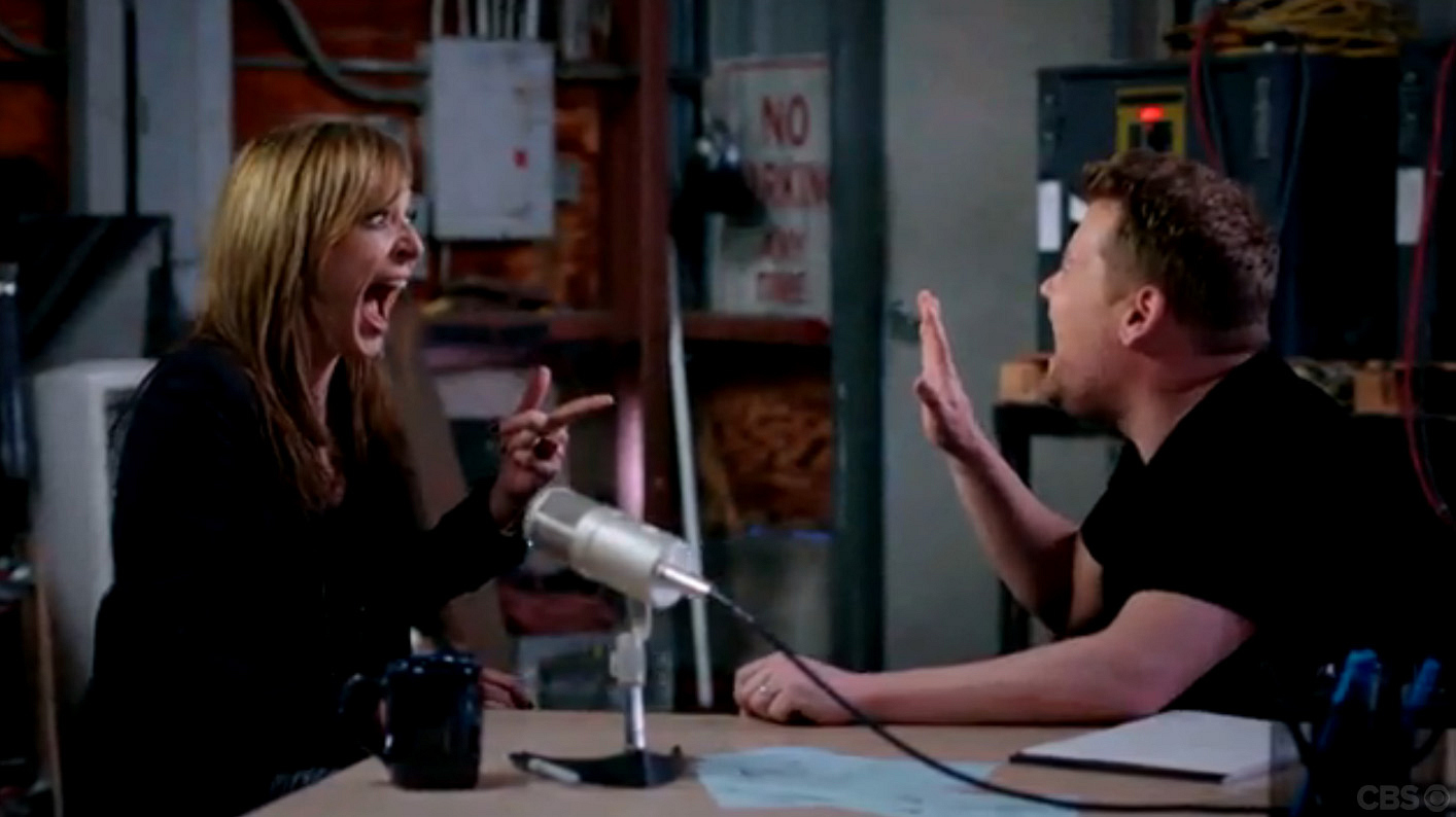 Allison Janney perfects the fake laugh