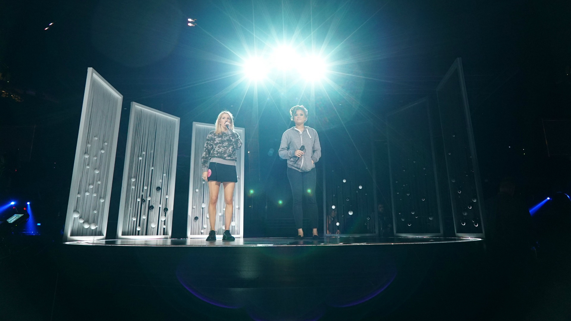 Ellie Goulding practices her duet with Andra Day.