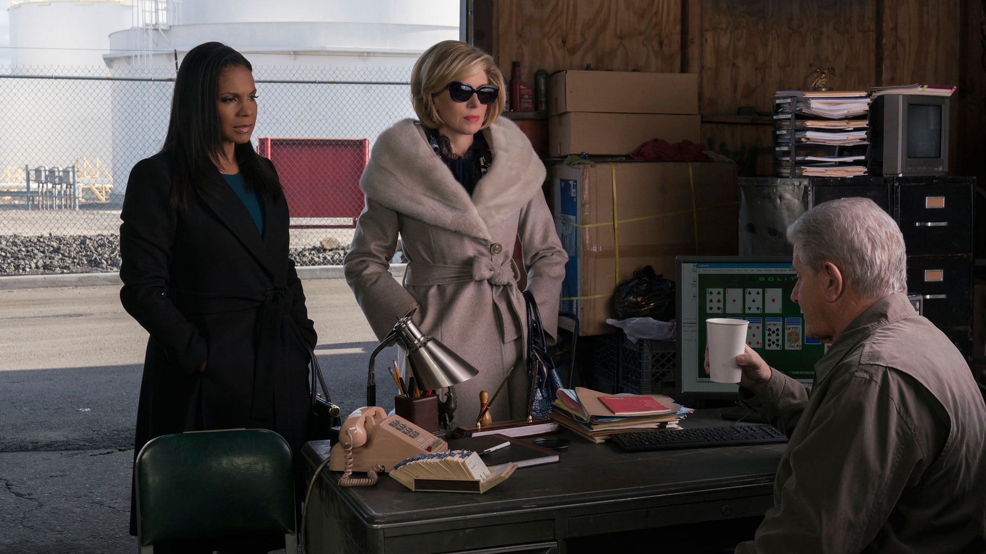 Liz Reddick-Lawrence (Audra McDonald) and Diane Lockhart (Christine Baranski)