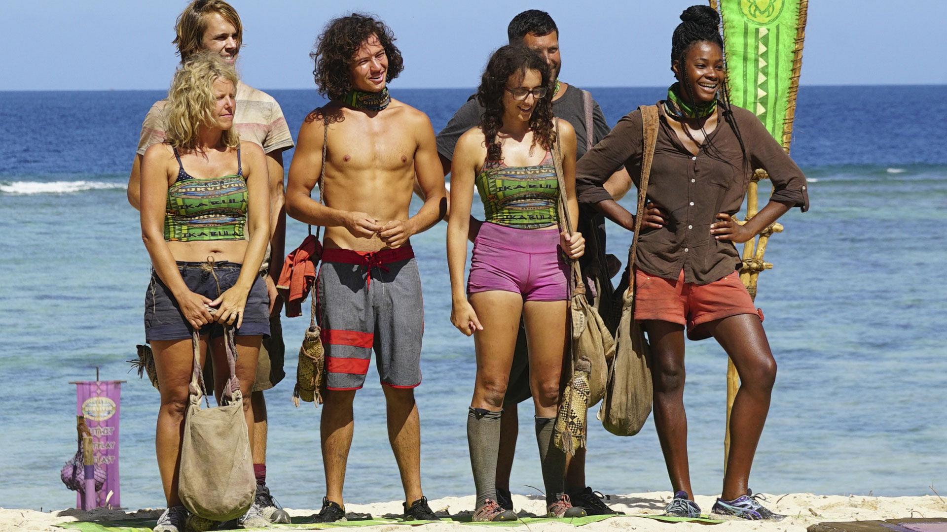 Sunday, Will, Jay, Hannah, Bret, and Michaela represent the Ikabula Tribe.