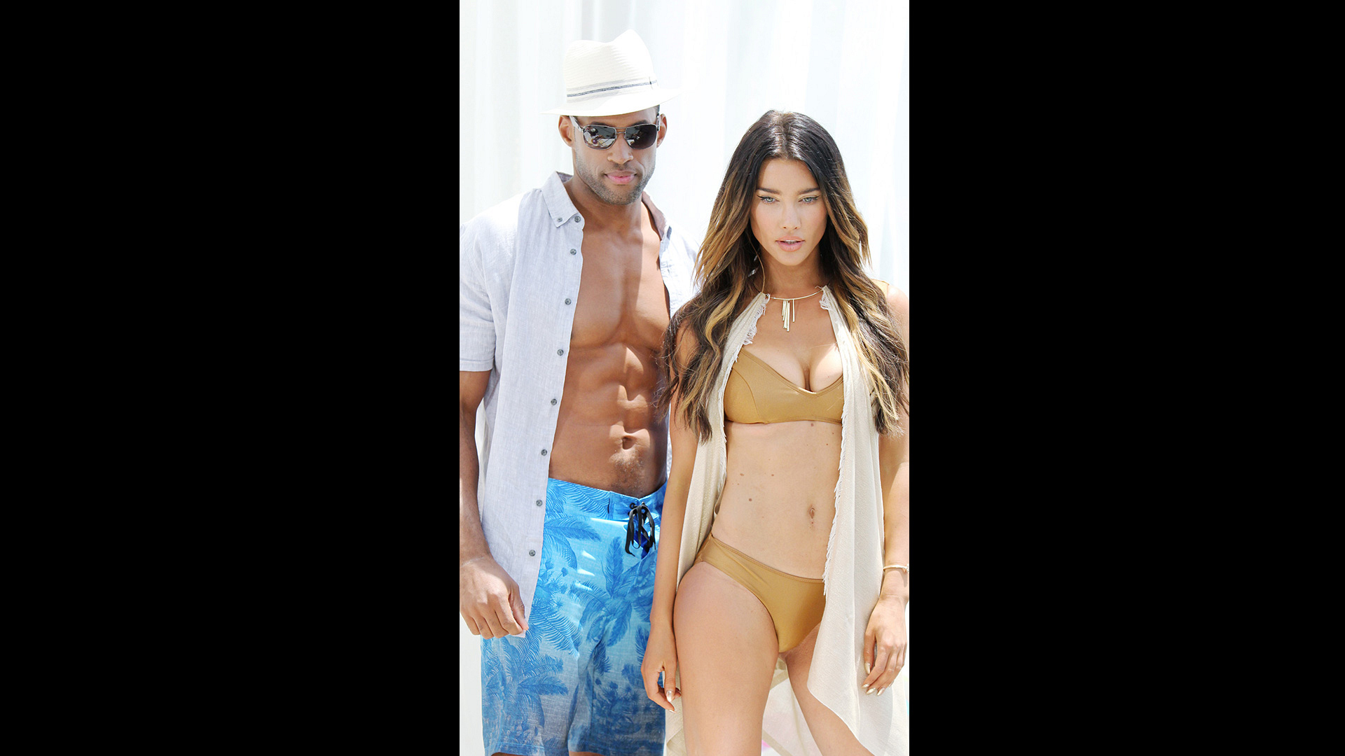 Lawrence Saint-Victor and Jacqueline MacInnes Wood strike a sizzling post.