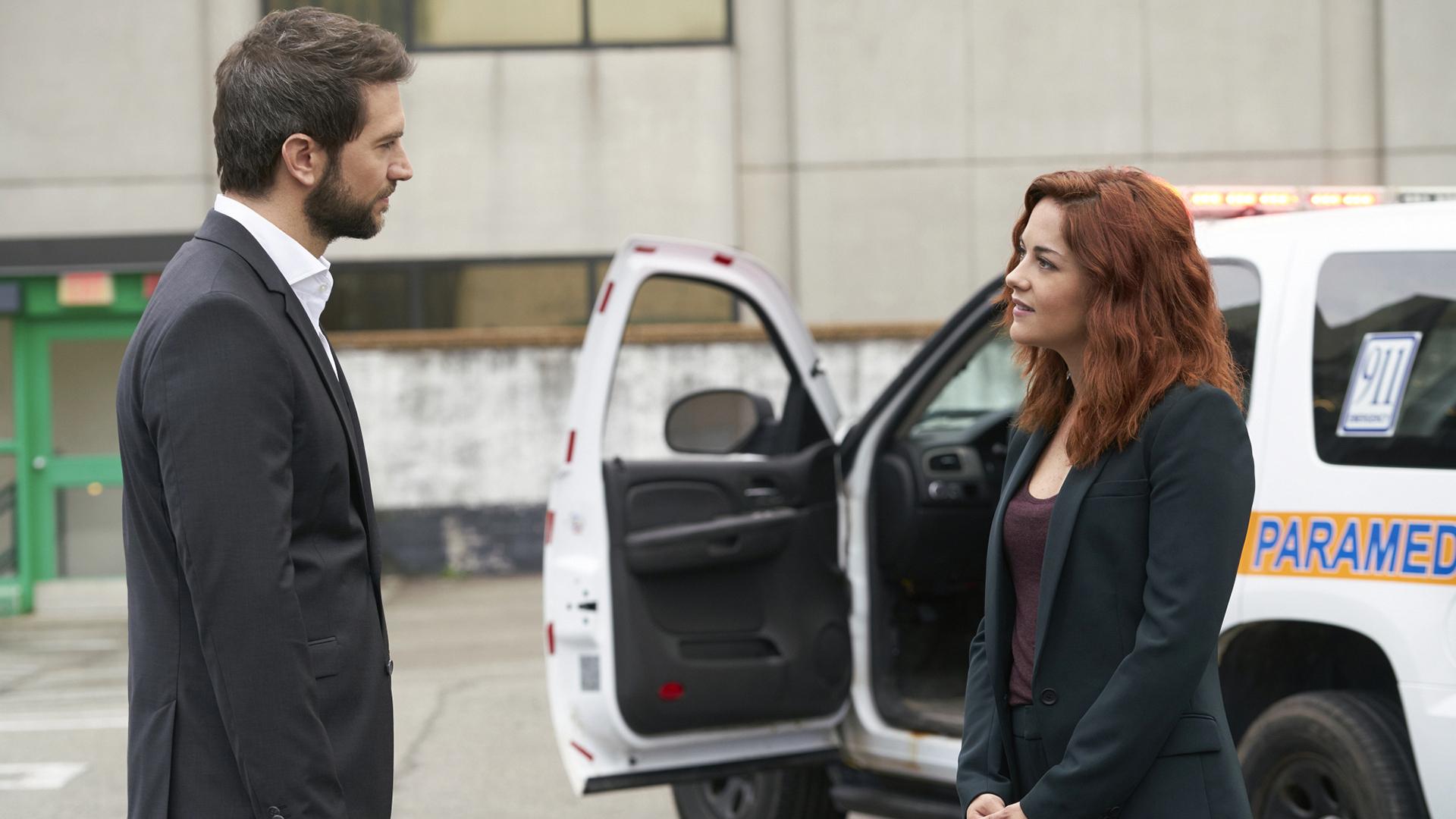 Luke Roberts as Eric Beaumont and Sarah Greene as Maxine Carlson