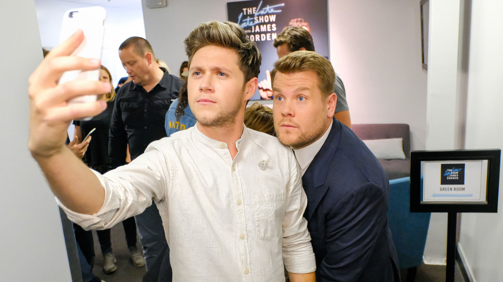 Niall snapped a selfie before his first solo appearance on the show.