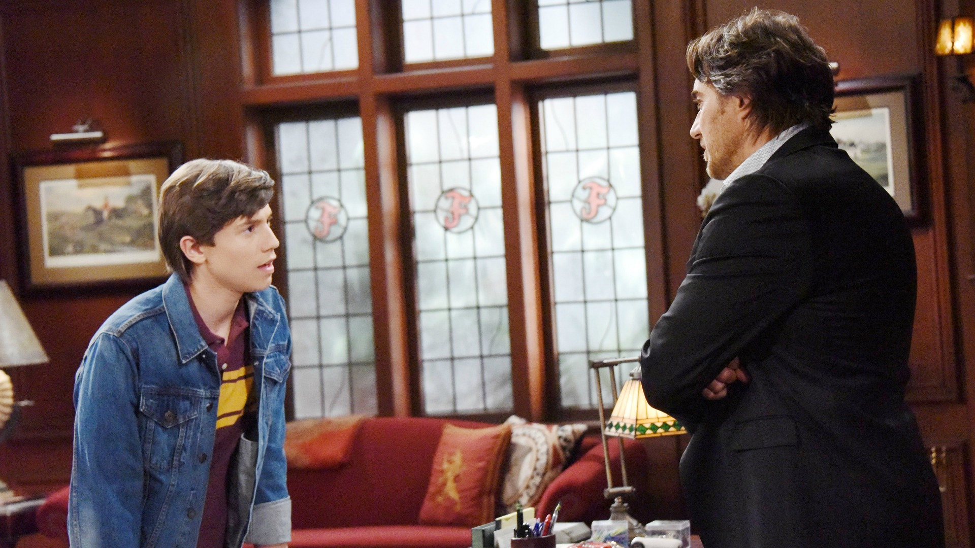 RJ puts pressure on Ridge to stop Brooke from marrying another man.