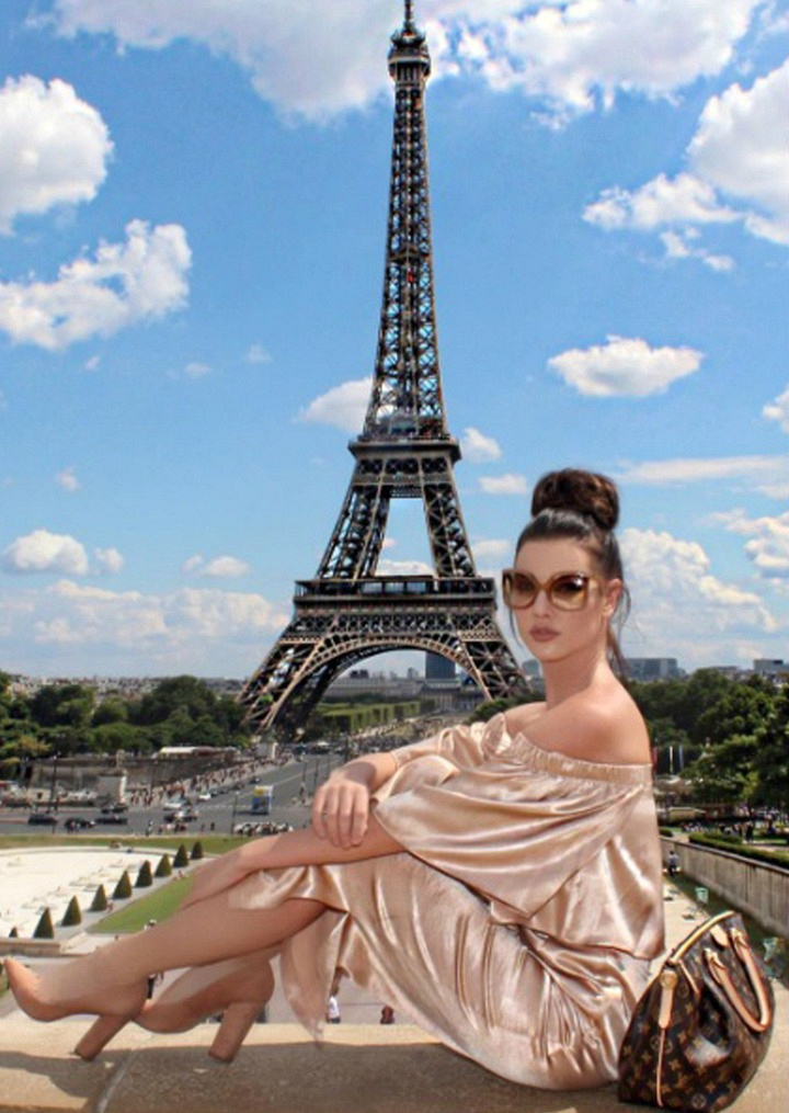 Jacqueline MacInnes Wood traveled to Toronto, Italy, Spain, and Paris with family and friends.