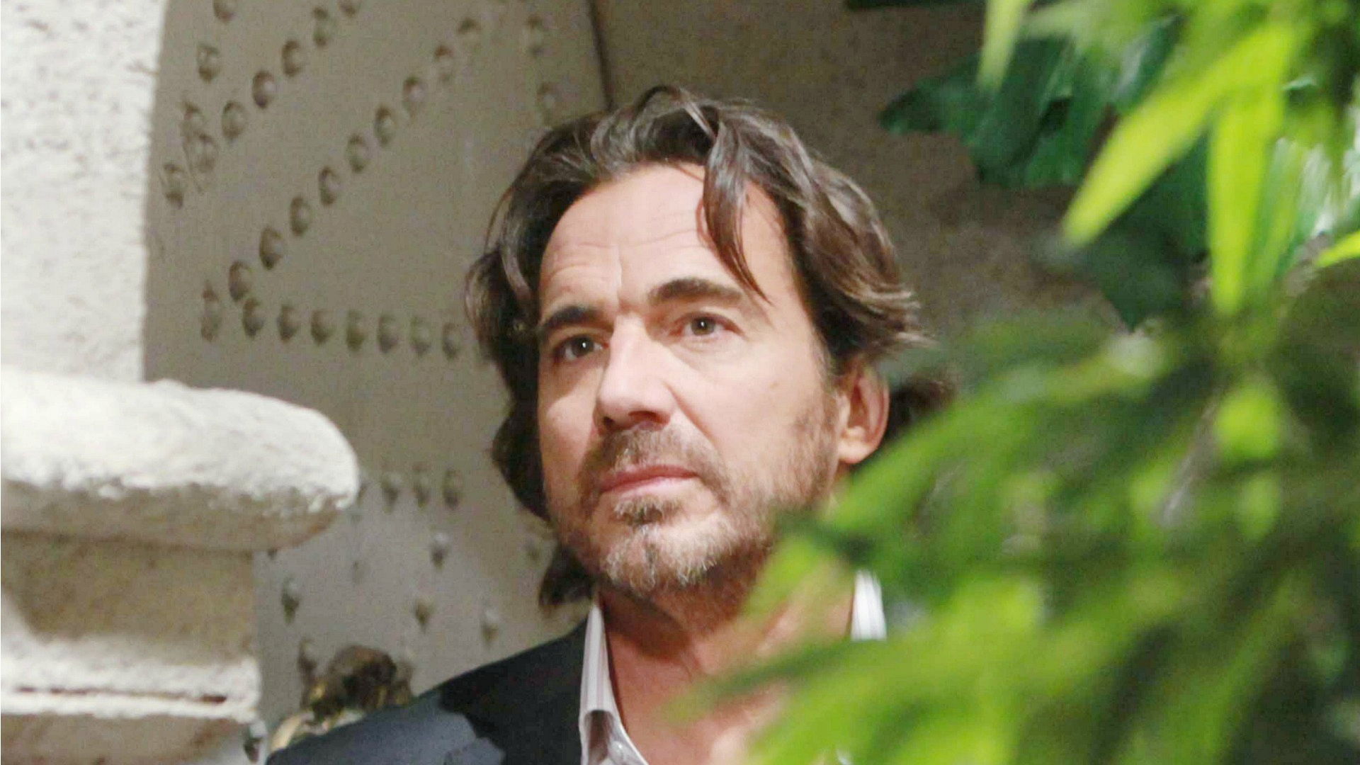 Ridge is forced to search his soul after he overhears a personal conversation between Caroline and Thomas.
